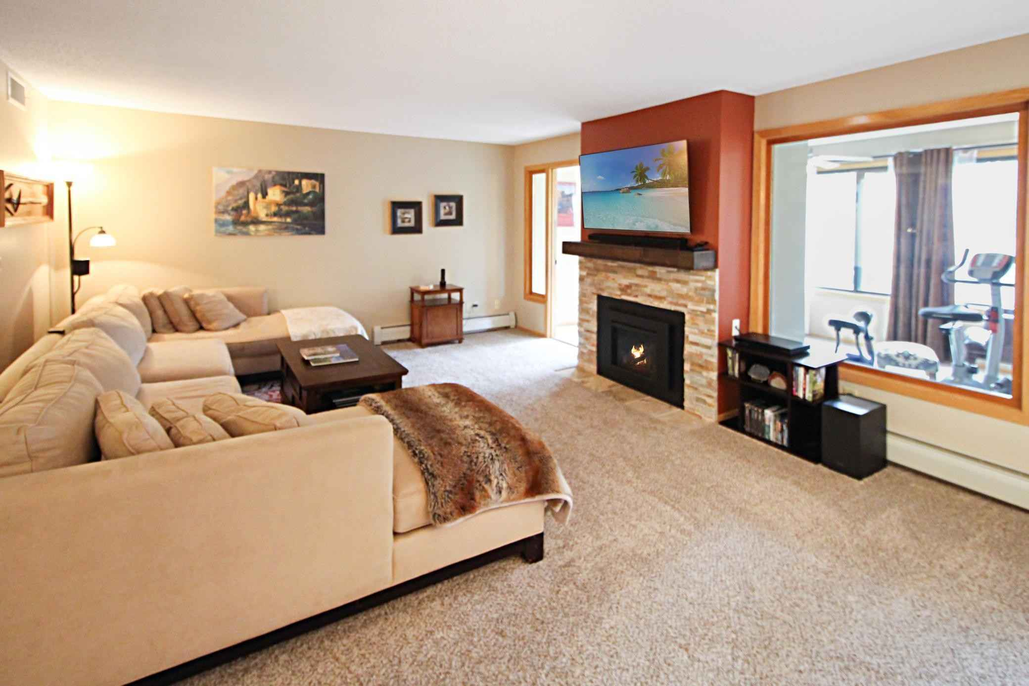 View 22 photos of this 2 bed, 2 bath, and 1,524 sqft. condo home located at 6100 Auto Club Rd Apt 218, Bloomington, Minnesota 55438 is Pending for $275,000.