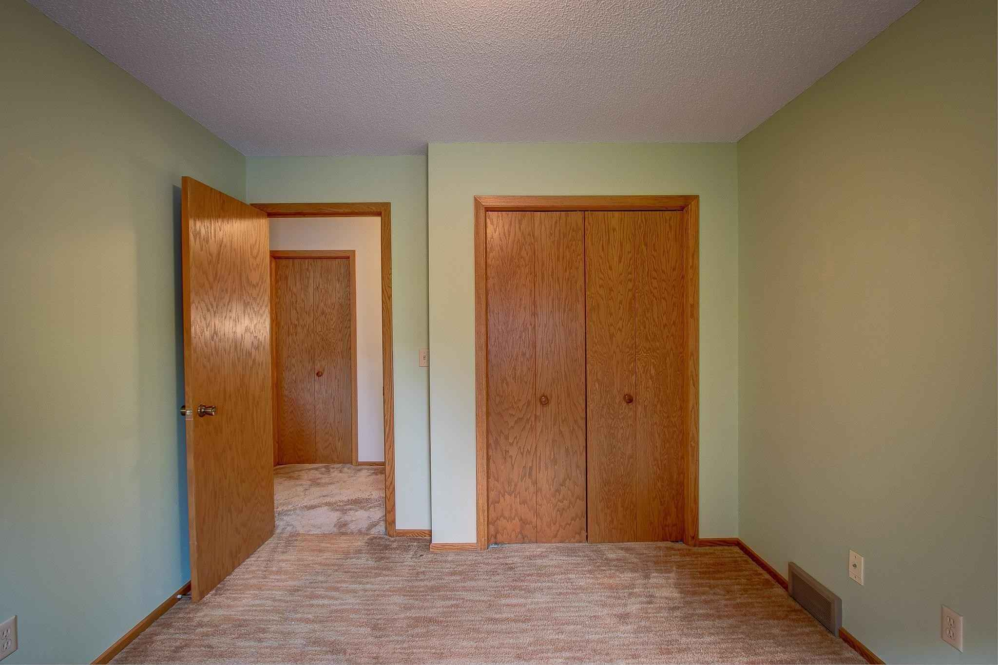 View 23 photos of this 2 bed, 2 bath, and 1,448 sqft. condo home located at 1327 Birch Pl, Cambridge, Minnesota 55008 is Pending for $165,000.