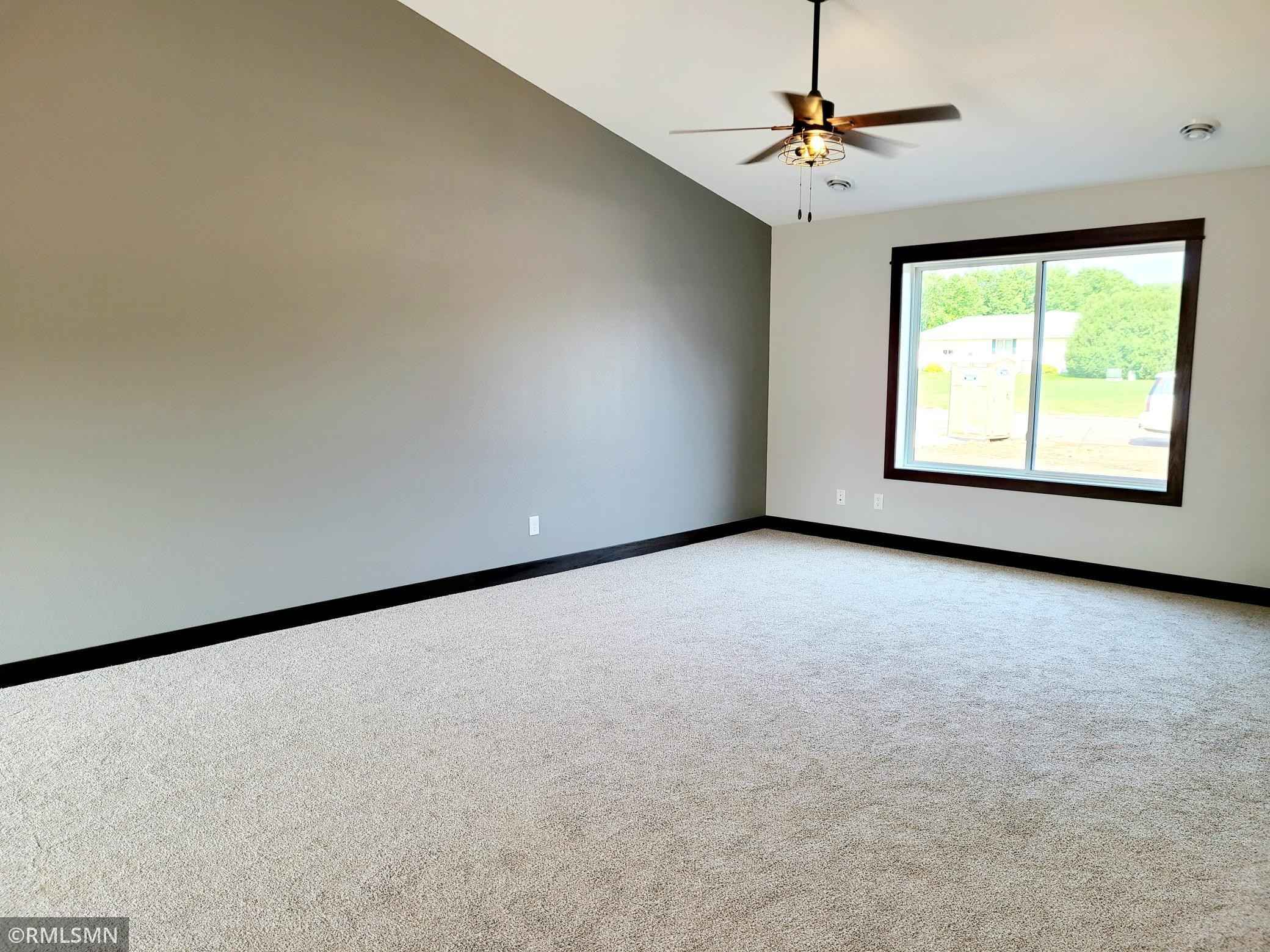 View 28 photos of this 3 bed, 2 bath, and 1,527 sqft. single_family home located at 104 Kenna Dr, Le Sueur, Minnesota 56058 is Pending for $264,900.