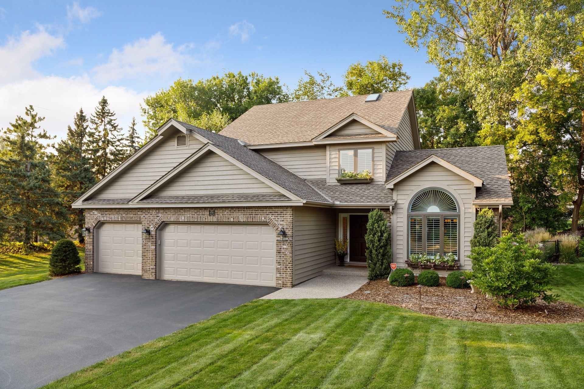 View 41 photos of this 6 bed, 4 bath, and 4,035 sqft. single_family home located at 6744 Indian Way W, Edina, Minnesota 55439 is Active for $850,000.