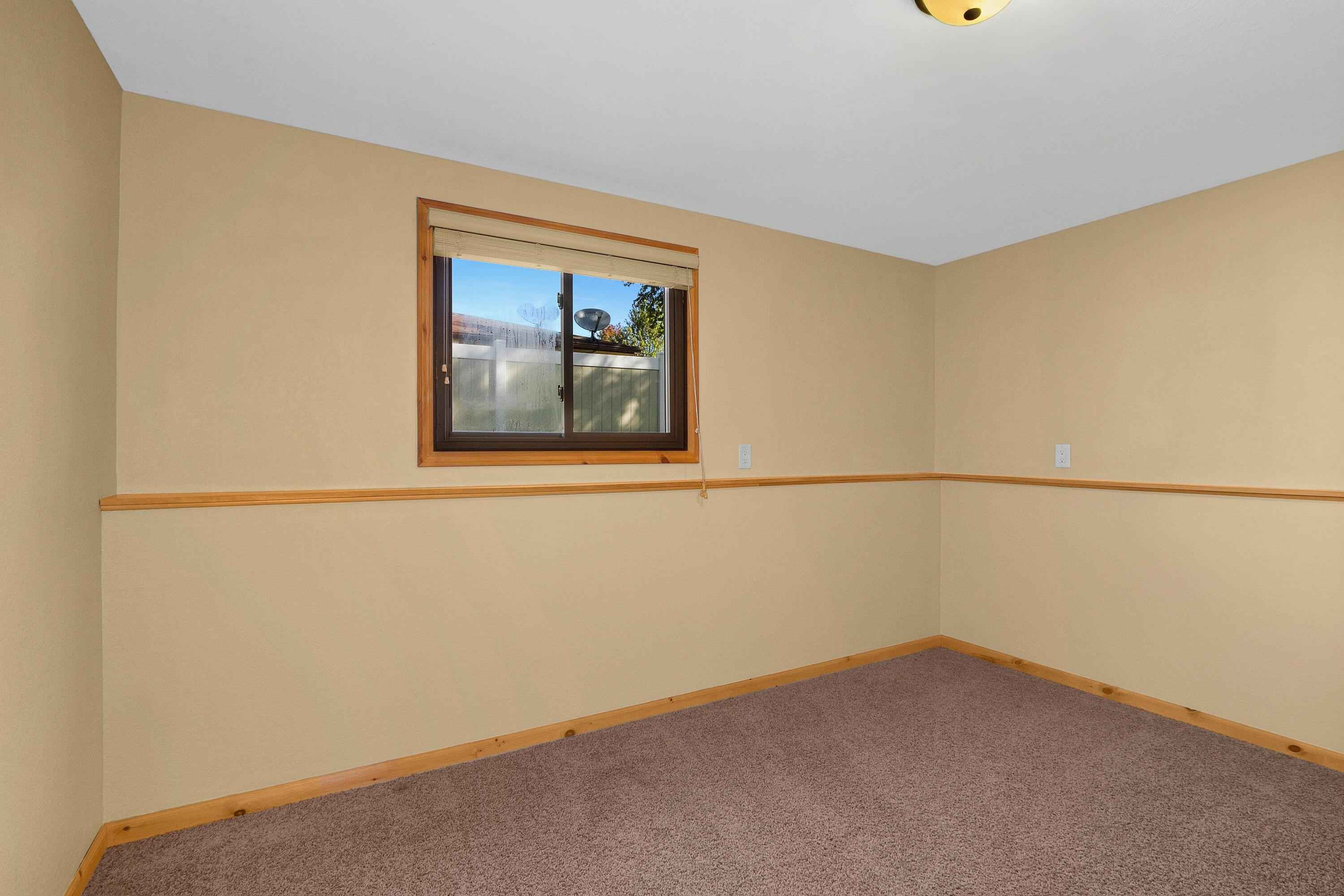 View 14 photos of this 4 bed, 2 bath, and 2,100 sqft. single_family home located at 51 Crescent Ave, La Crescent, Minnesota 55947 is Pending for $319,999.