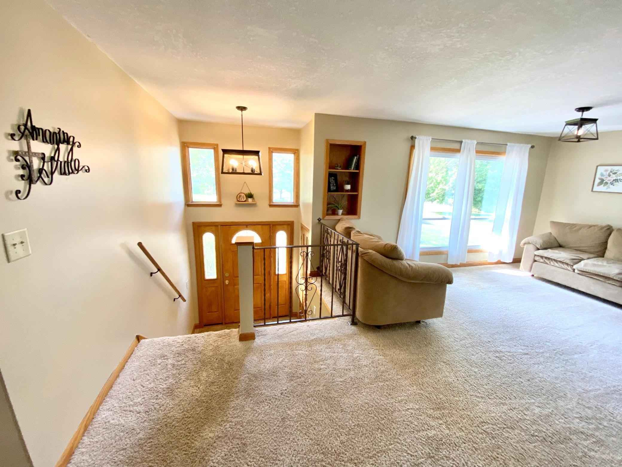 View 35 photos of this 4 bed, 2 bath, and 2,395 sqft. single_family home located at 740 3rd Ave NW, Plainview, Minnesota 55964 is Active for $269,900.