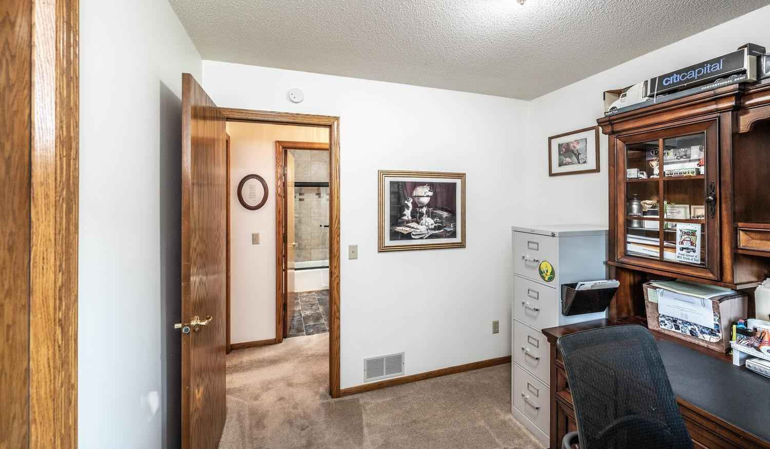 View 30 photos of this 3 bed, 3 bath, and 1,682 sqft. single_family home located at 12201 Goldenrod Cir NW, Coon Rapids, Minnesota 55448 is Pending for $315,000.