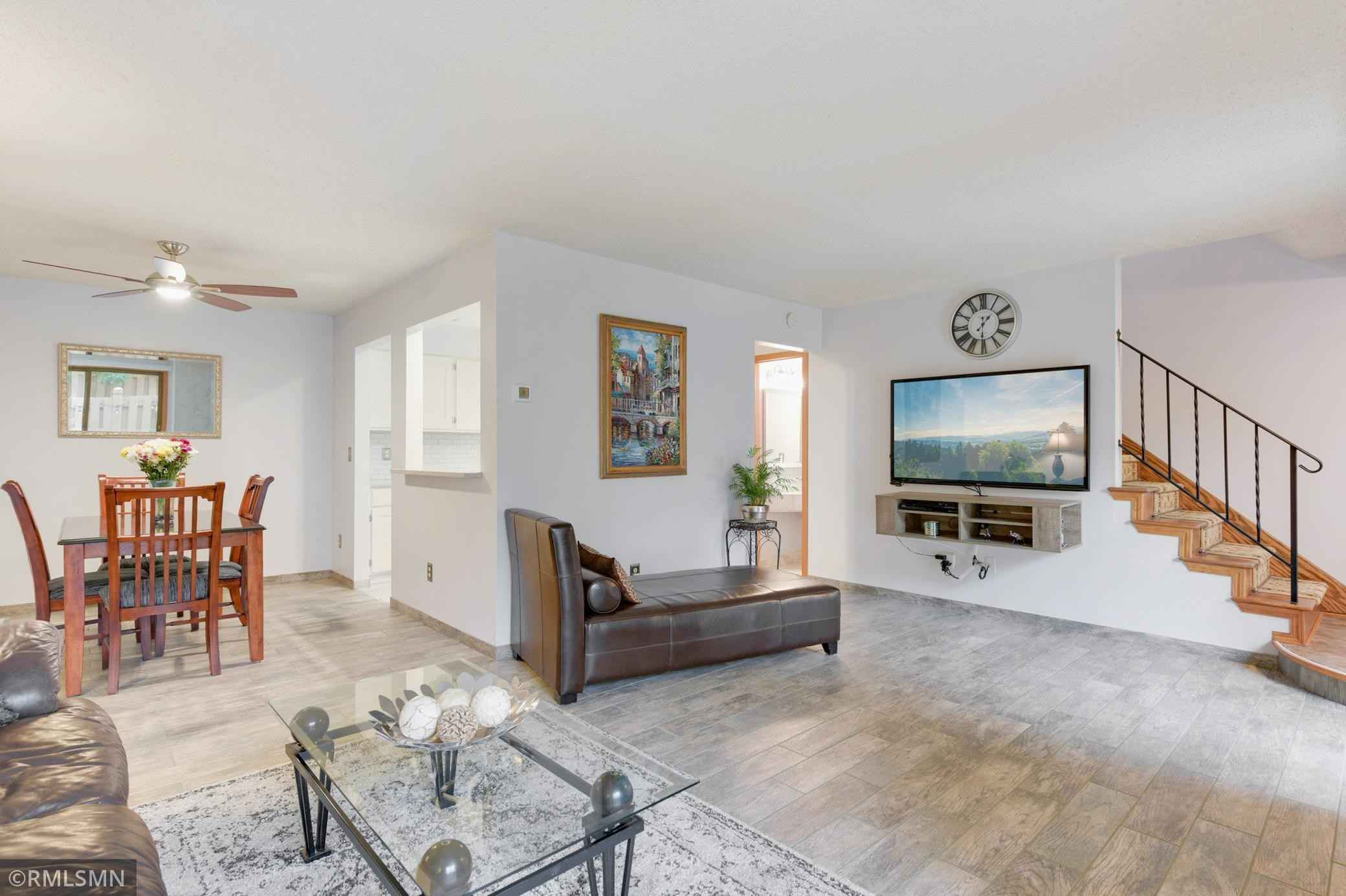 View 30 photos of this 2 bed, 2 bath, and 1,472 sqft. condo home located at 3680 Independence Ave S Apt 71, Saint Louis Park, Minnesota 55426 is Pending for $254,900.