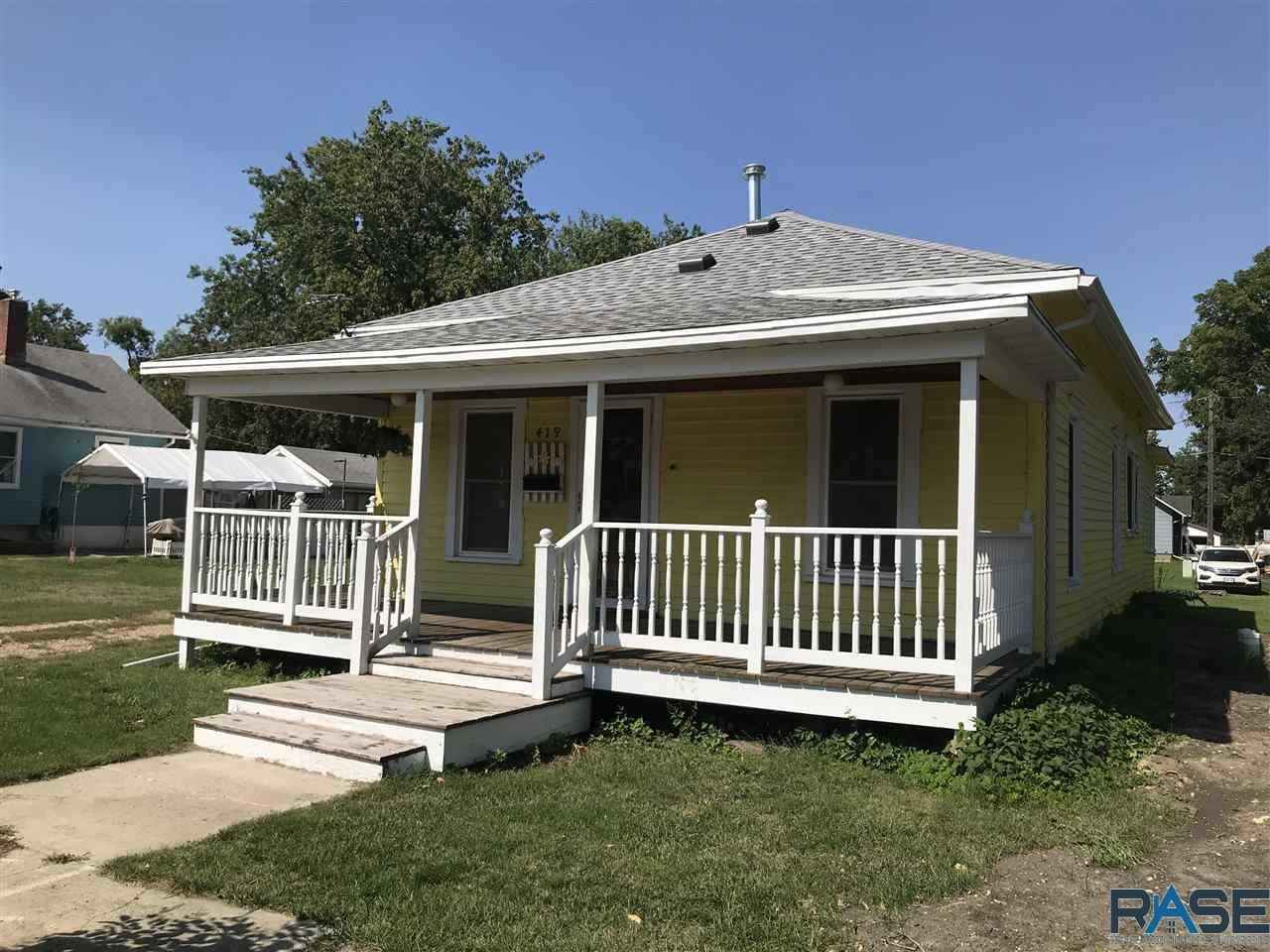 View 21 photos of this 2 bed, 1 bath, and 836 sqft. single_family home located at 419 SE 2nd St, Pipestone, Minnesota 56164 is _0 for $69,900.