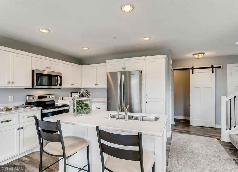 View 6 photos of this 3 bed, 2 bath, and 1,328 sqft. condo home located at 1854 Bridgewater Blvd S, Cambridge, Minnesota 55008 is Active for $261,900.