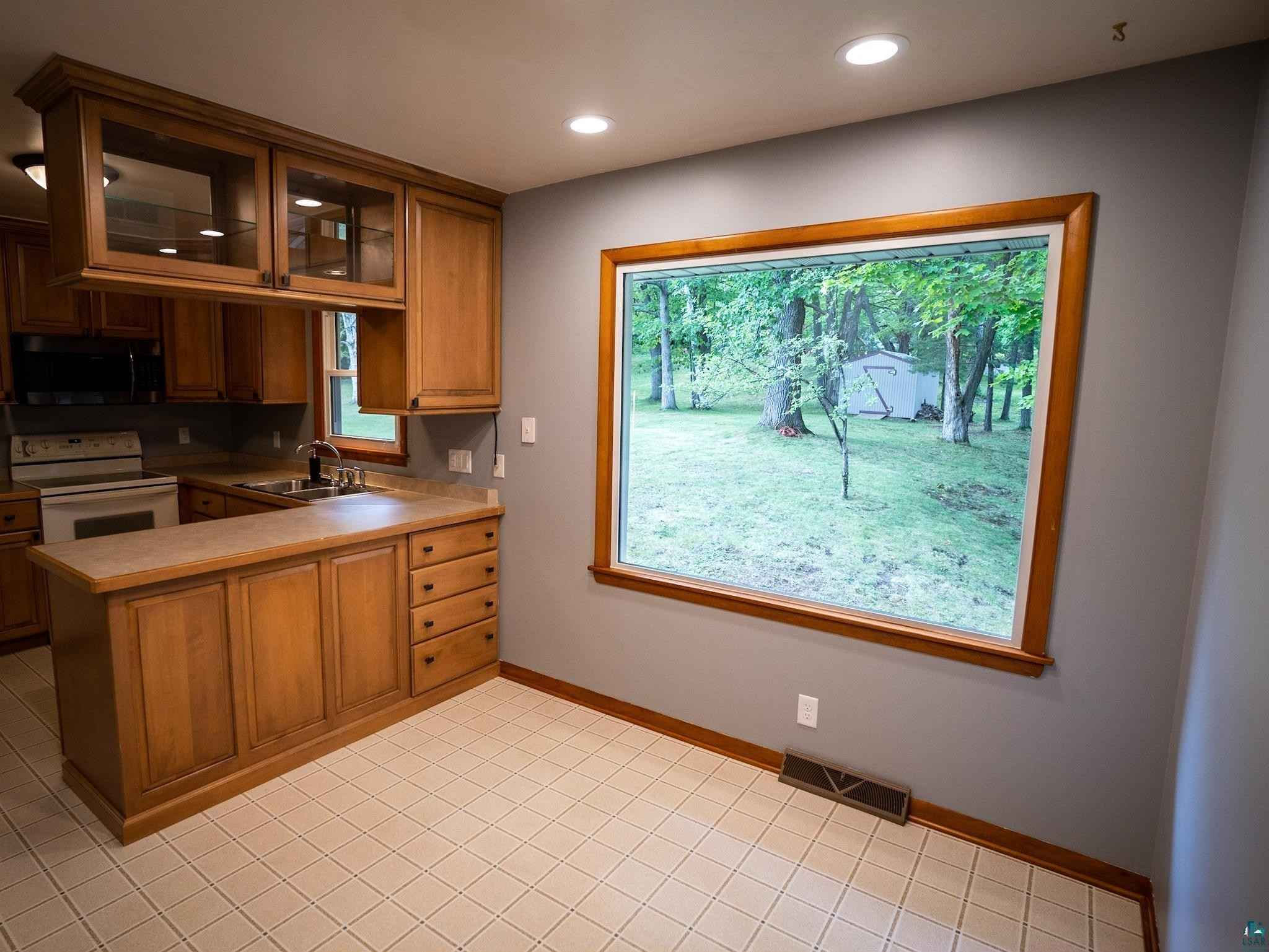 View 32 photos of this 3 bed, 2 bath, and 1,874 sqft. single_family home located at 1527 Linzie Rd, Duluth, Minnesota 55811 is ACTIVE for $349,900.