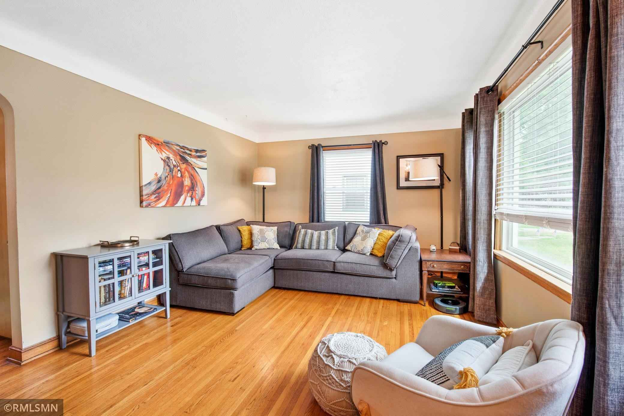 View 20 photos of this 2 bed, 1 bath, and 1,134 sqft. single_family home located at 143 Butler Ave E, West Saint Paul, Minnesota 55118 is Active for $214,900.
