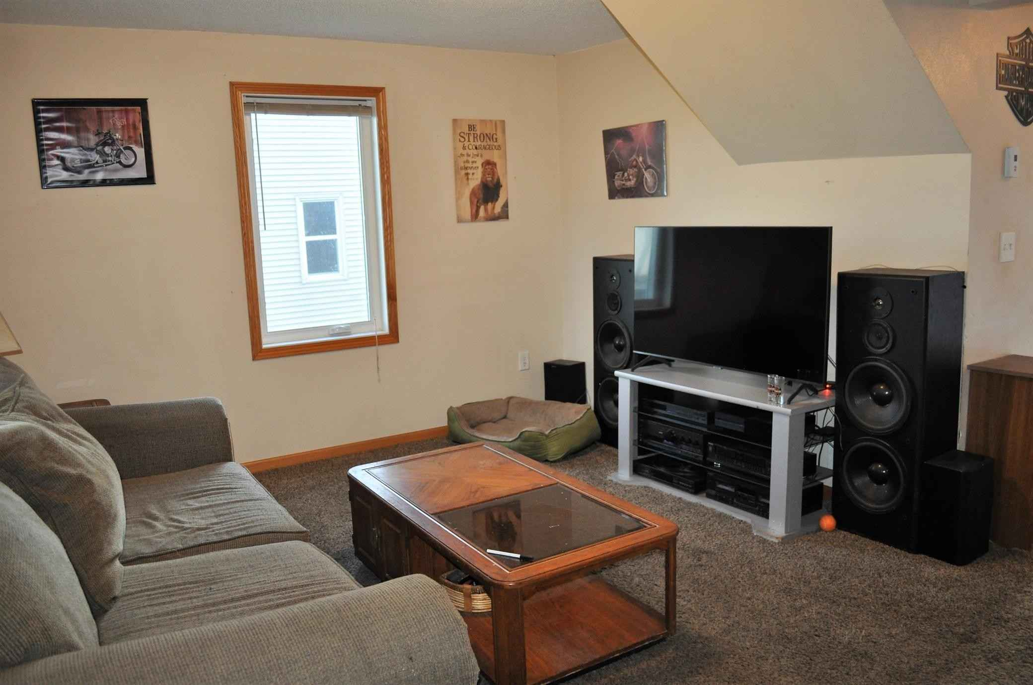 View 24 photos of this 2 bed, 1 bath, and 939 sqft. single_family home located at 553 S 1st St, Montevideo, Minnesota 56265 is Active for $89,000.