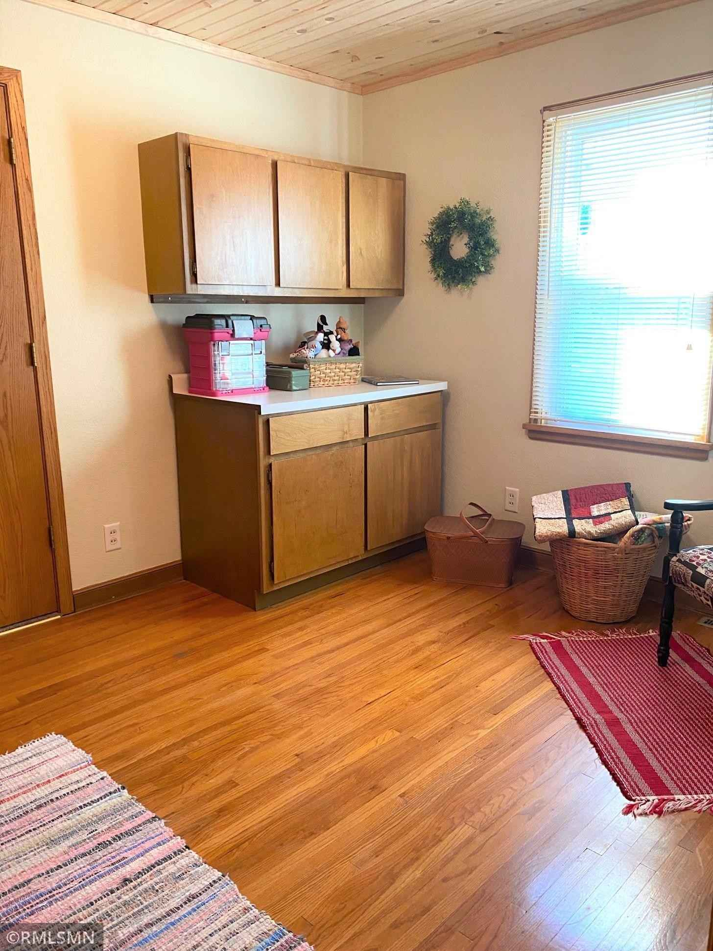 View 19 photos of this 3 bed, 2 bath, and 1,827 sqft. single_family home located at 650 5th St N, Dassel, Minnesota 55325 is Pending for $215,000.