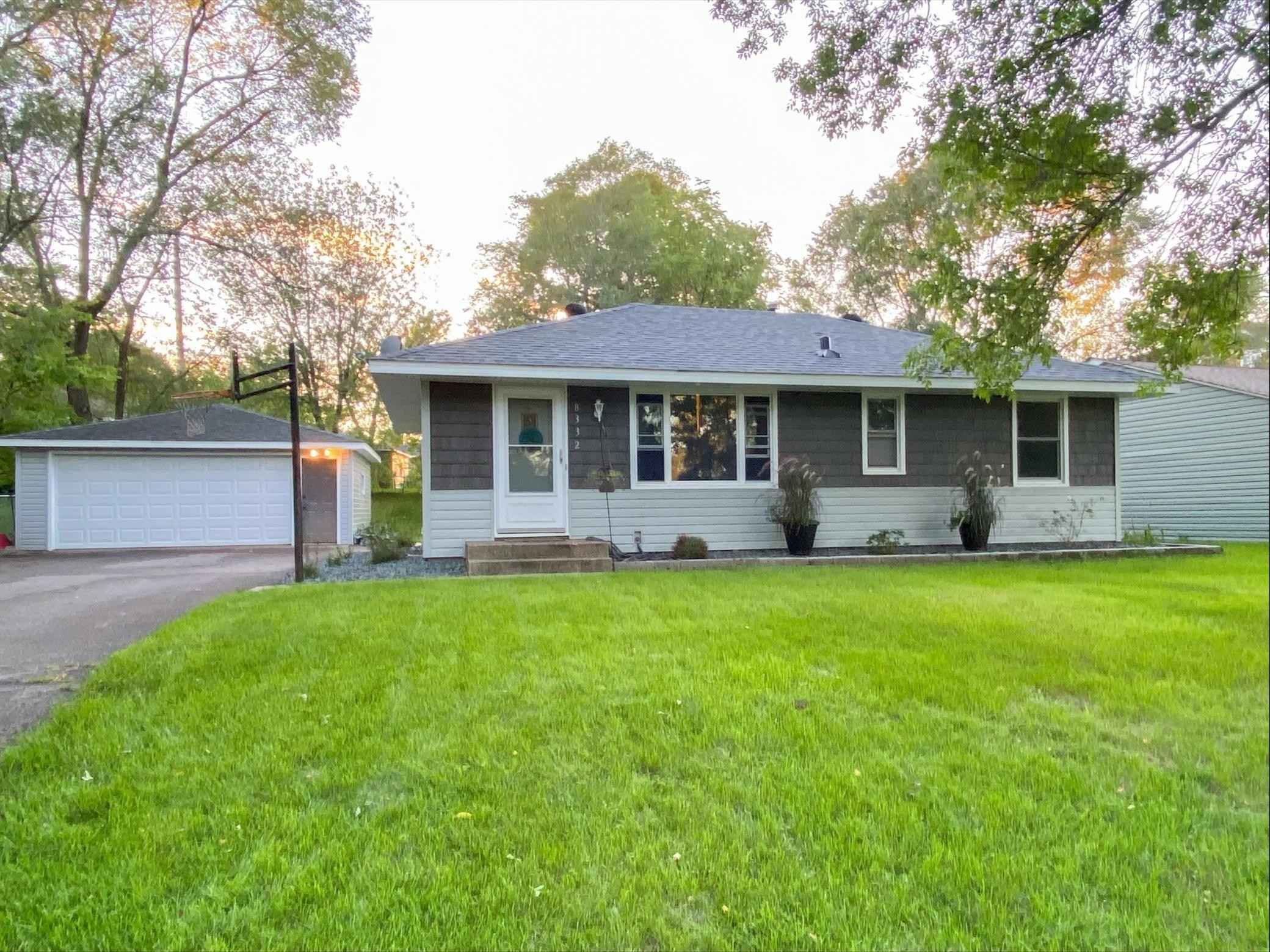 View 17 photos of this 4 bed, 2 bath, and 1,602 sqft. single_family home located at 8332 Hadley Ave S, Cottage Grove, Minnesota 55016 is Active for $289,999.