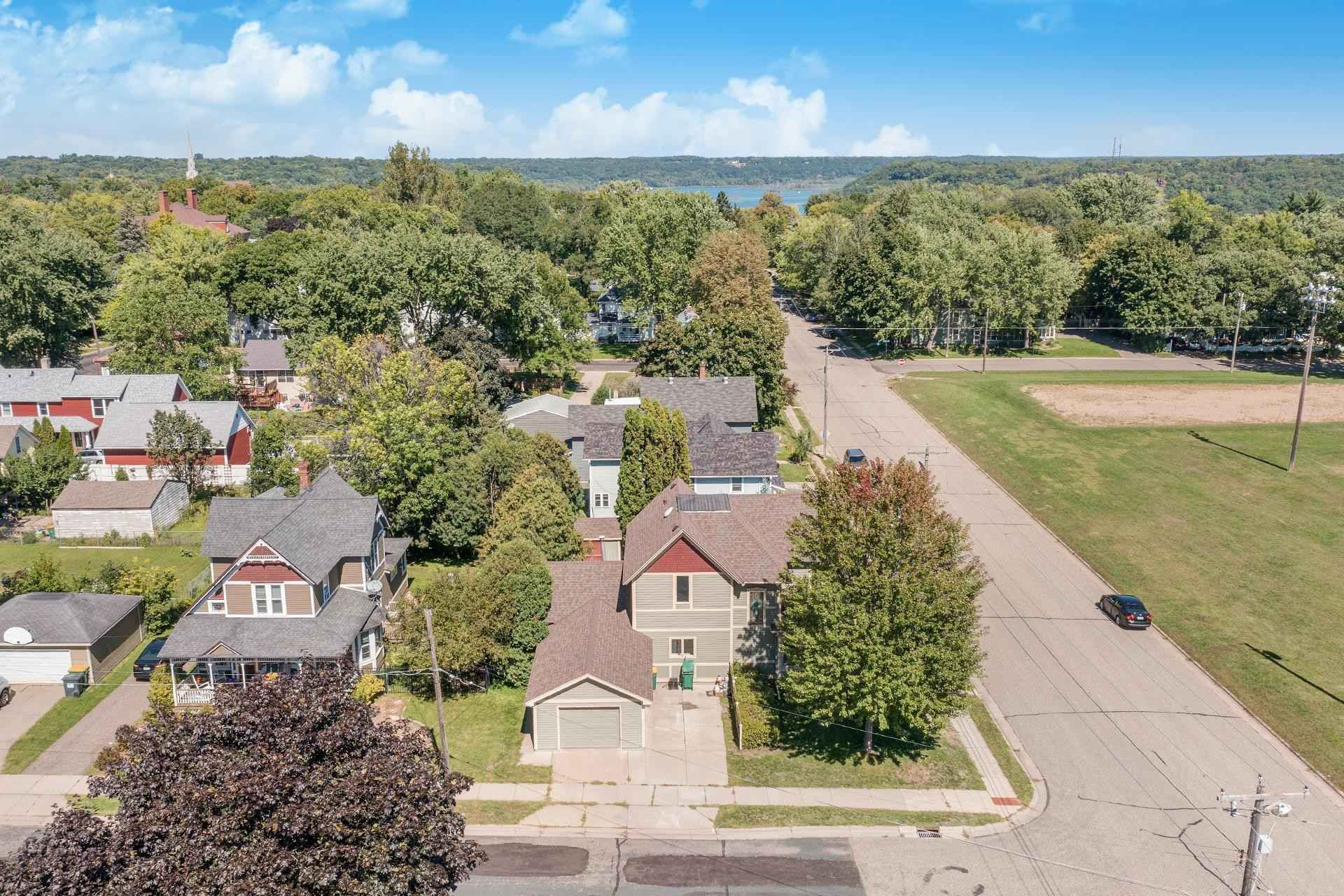 View 34 photos of this 2 bed, 2 bath, and 2,490 sqft. single_family home located at 1226 6th Ave S, Stillwater, Minnesota 55082 is Active for $439,900.