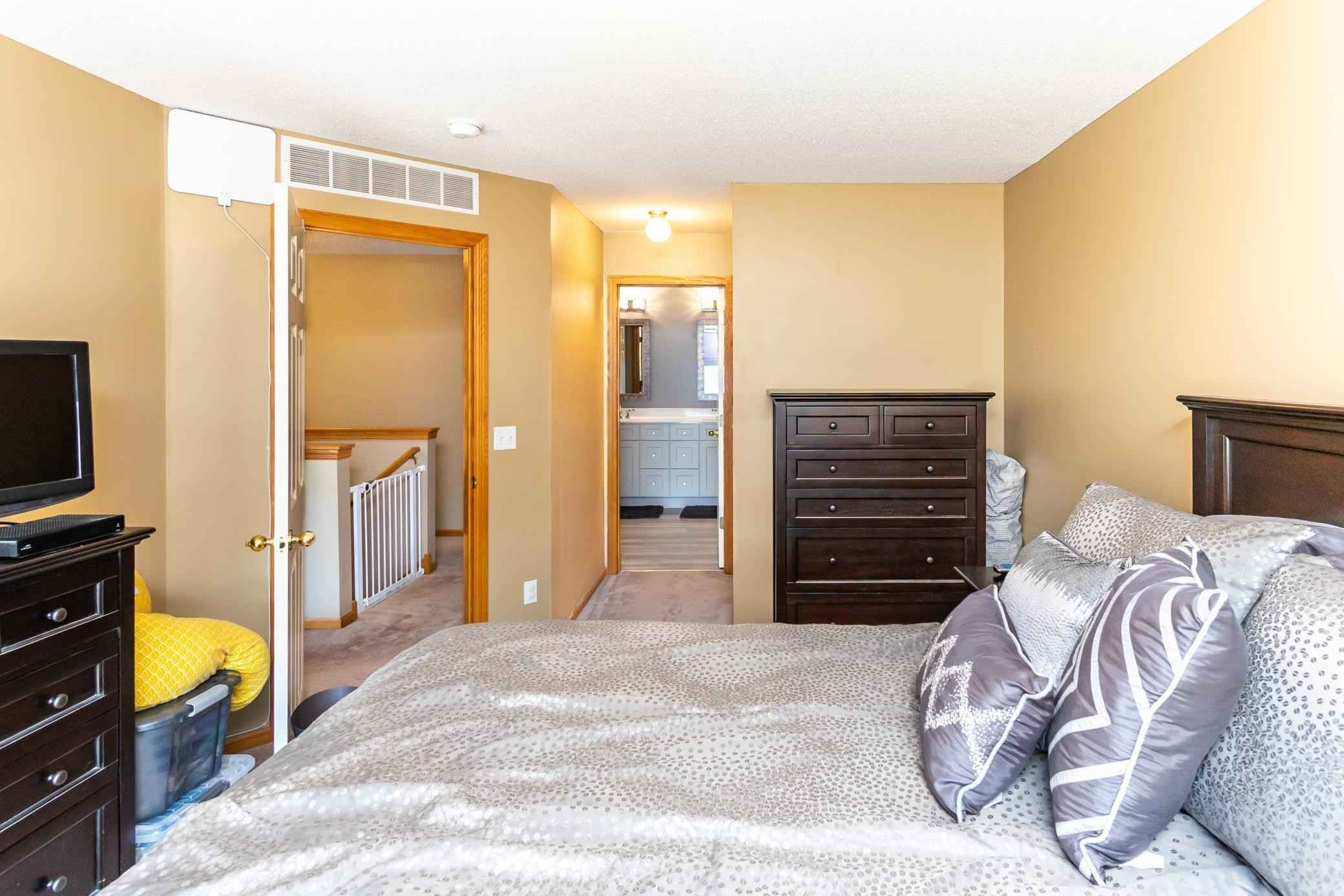 View 27 photos of this 2 bed, 2 bath, and 1,462 sqft. condo home located at 17153 Encina Path Unit 1102, Farmington, Minnesota 55024 is Pending for $229,900.