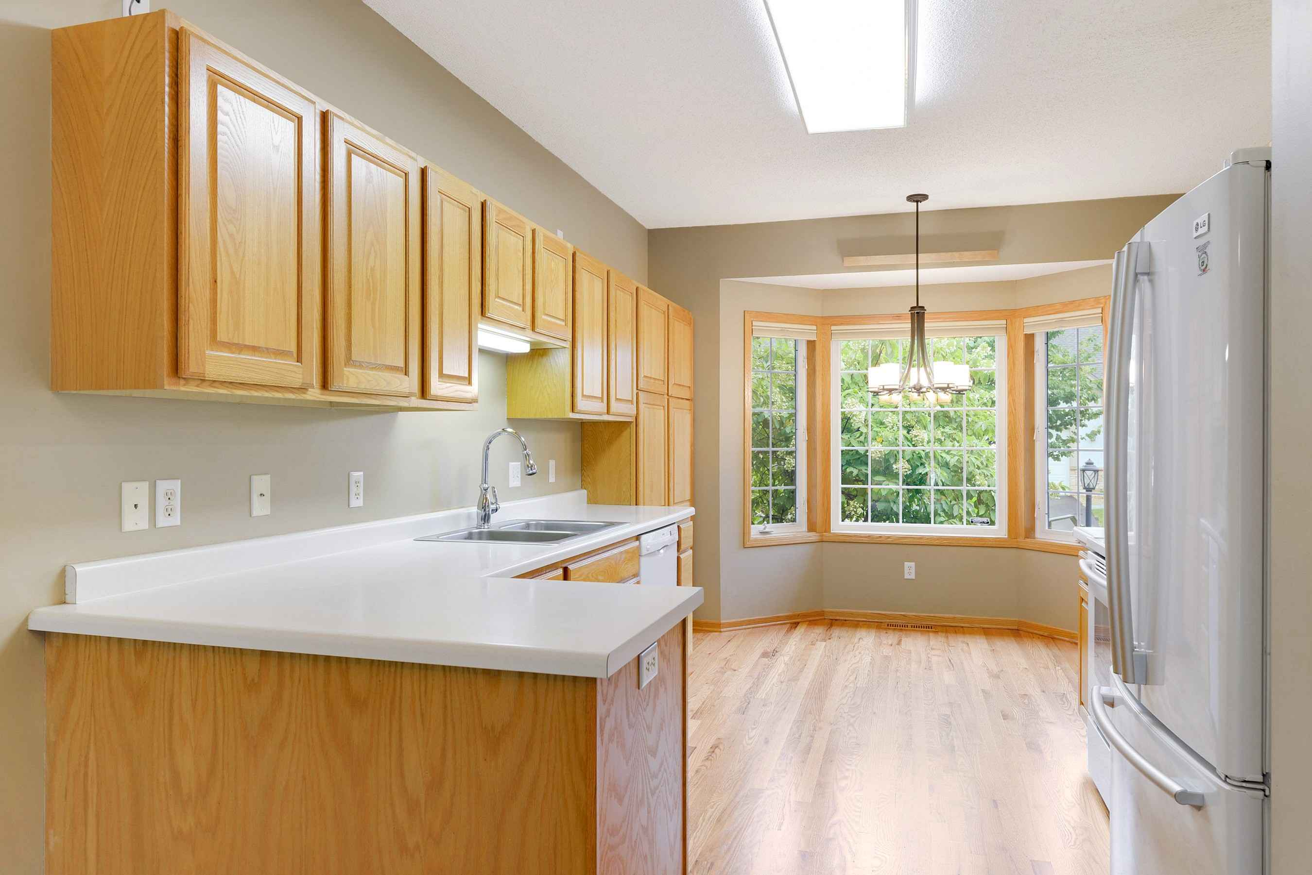 View 44 photos of this 3 bed, 3 bath, and 2,478 sqft. condo home located at 8409 Burlwood Dr, Chanhassen, Minnesota 55317 is Active for $375,000.
