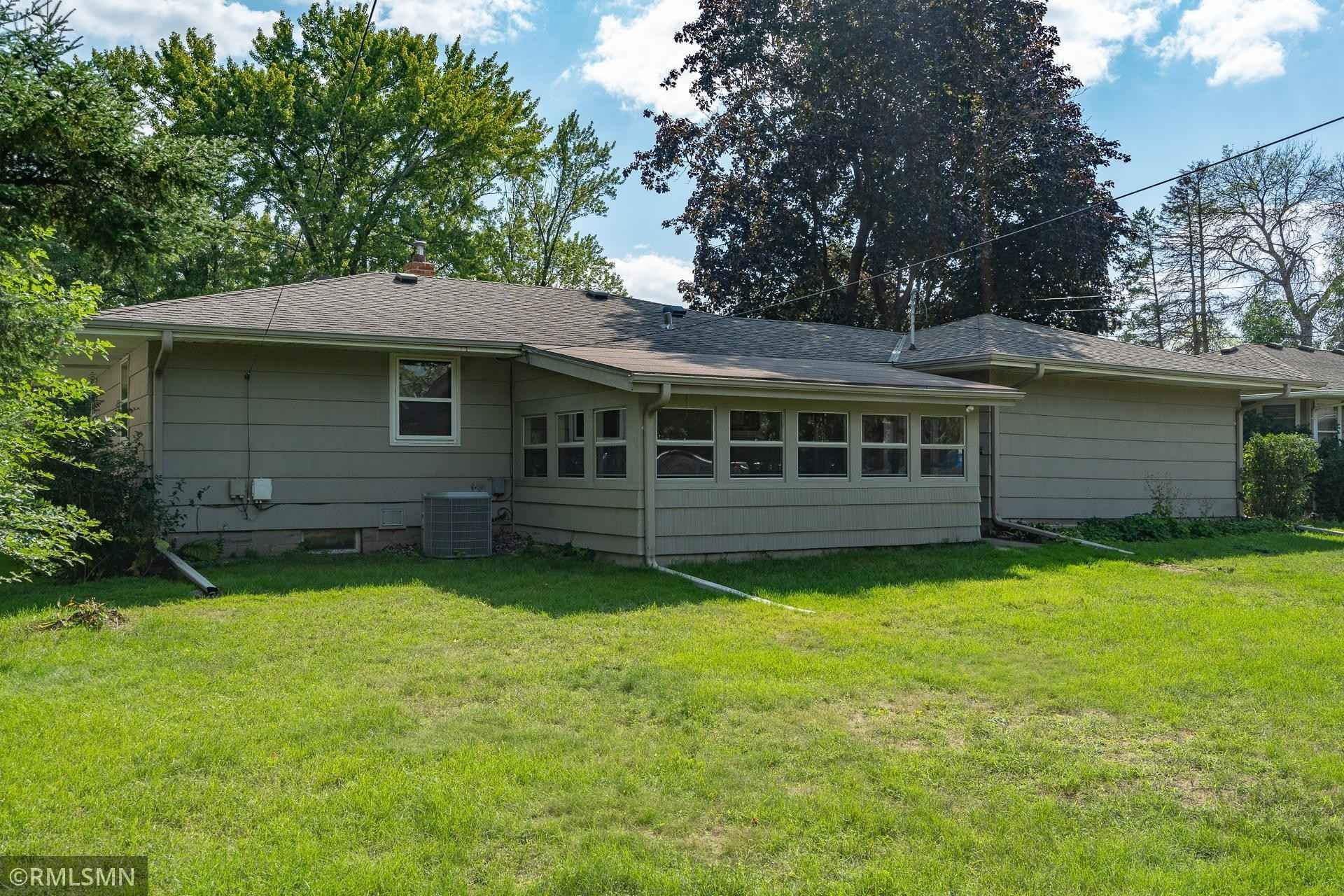 View 28 photos of this 3 bed, 2 bath, and 1,490 sqft. single_family home located at 1291 Skillman Ave W, Roseville, Minnesota 55113 is Active for $315,000.