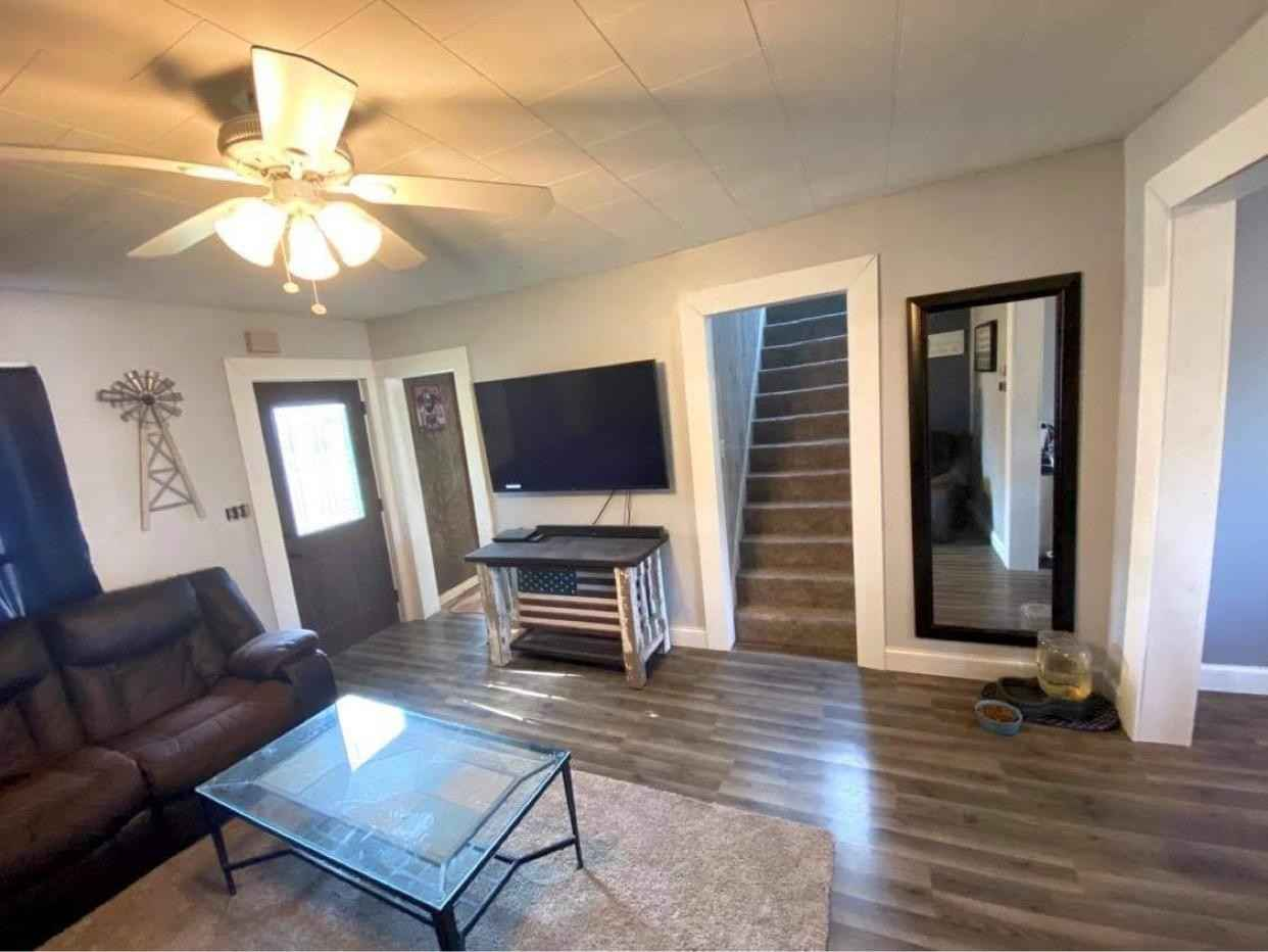 View 18 photos of this 3 bed, 2 bath, and 1,031 sqft. single_family home located at 214 Maple St N, Mabel, Minnesota 55954 is Active for $134,900.