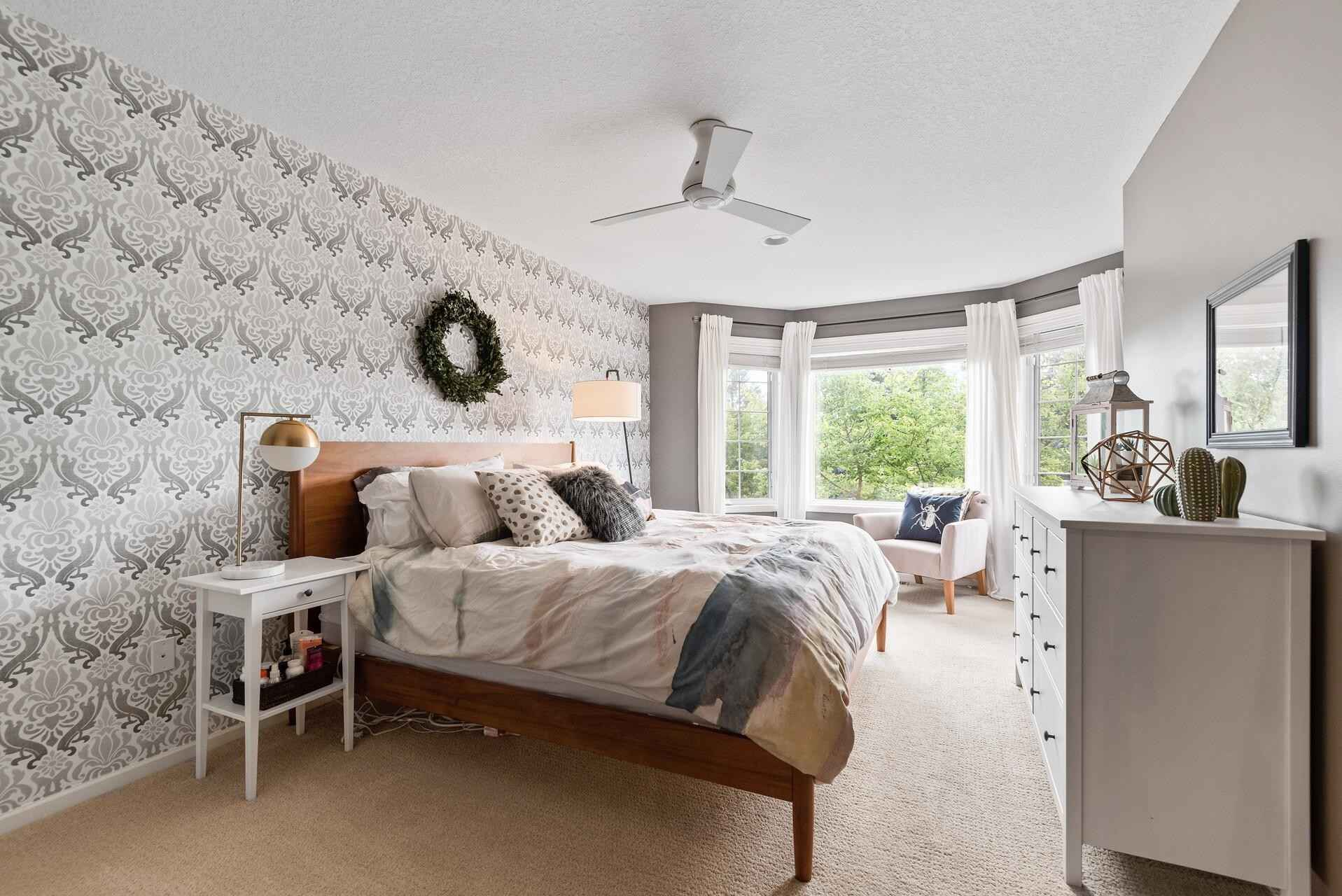 View 29 photos of this 2 bed, 2 bath, and 1,580 sqft. condo home located at 8411 Townsend Dr, Eden Prairie, Minnesota 55344 is Active for $300,000.