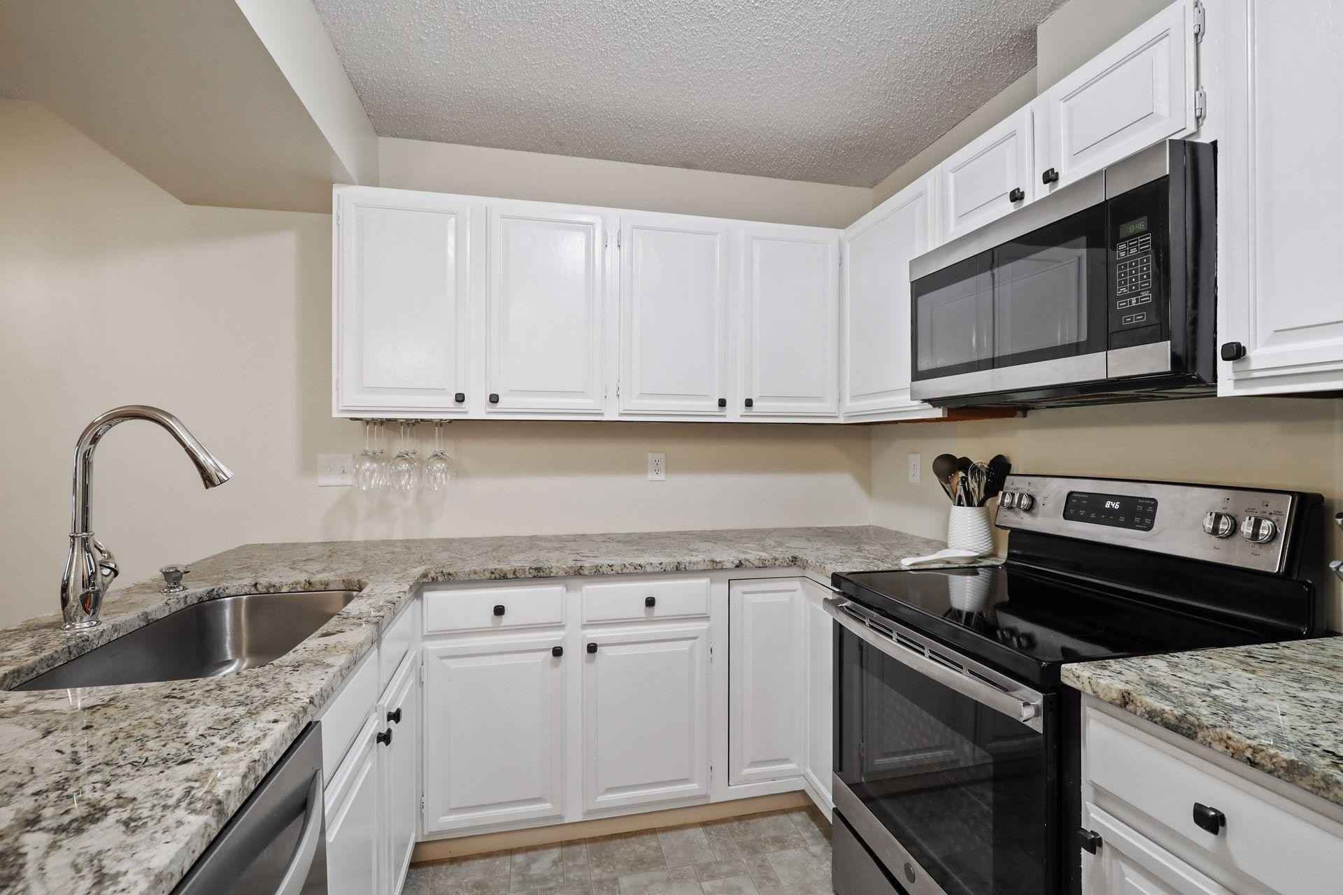 View 22 photos of this 2 bed, 2 bath, and 968 sqft. condo home located at 8013 Xerxes Ave S Unit B201, Bloomington, Minnesota 55431 is Active for $185,000.