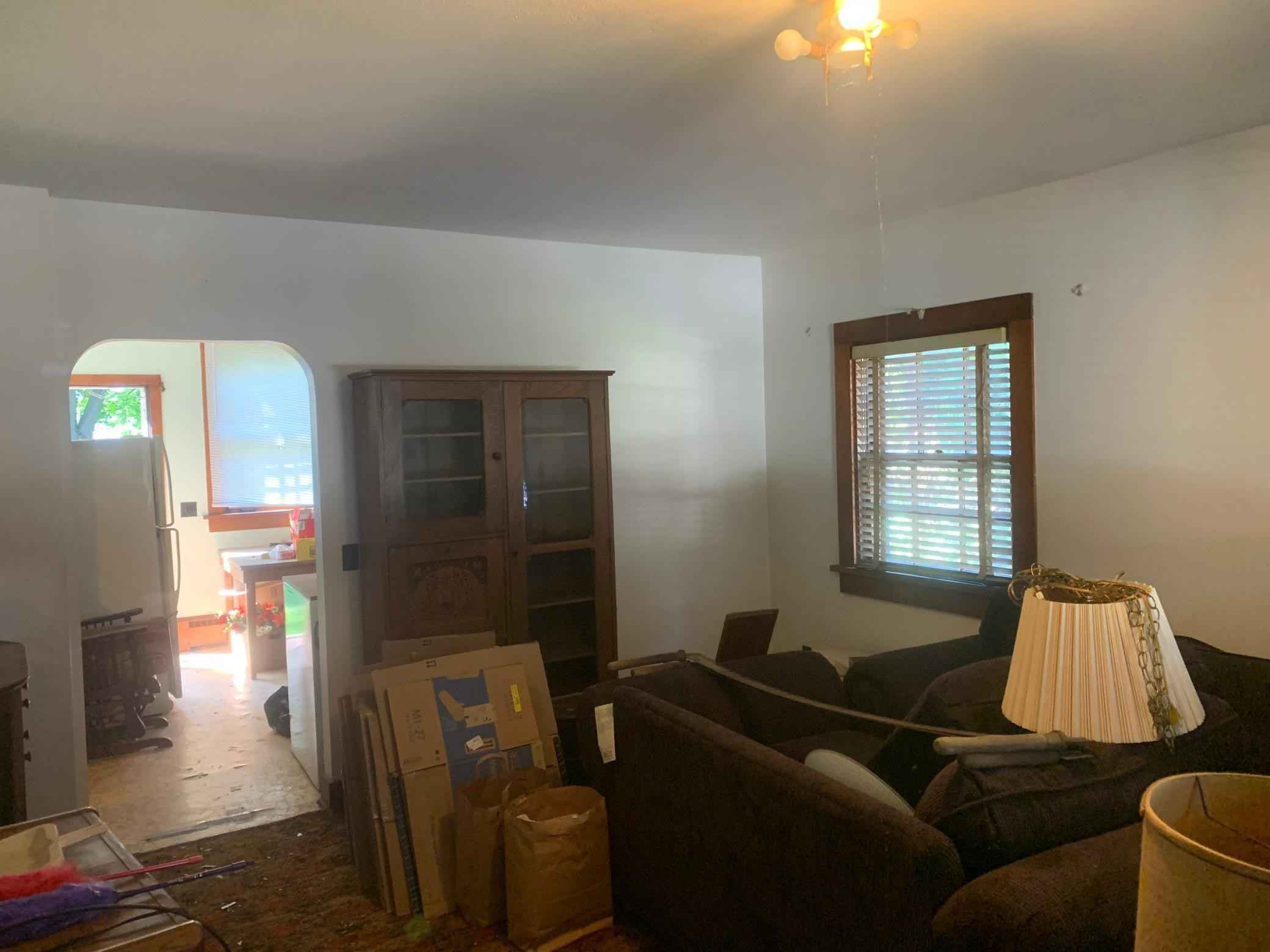 View 12 photos of this 5 bed, 2 bath, and 1,088 sqft. single_family home located at 216 N Section Ave, Spring Valley, Minnesota 55975 is Active for $107,000.