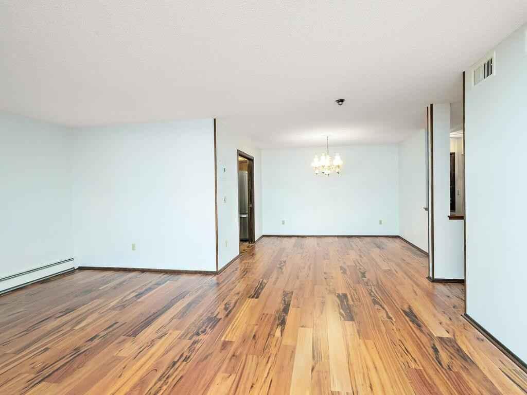View 18 photos of this 2 bed, 2 bath, and 1,314 sqft. condo home located at 3090 Lexington Ave N Apt A3, Roseville, Minnesota 55113 is Active for $189,500.