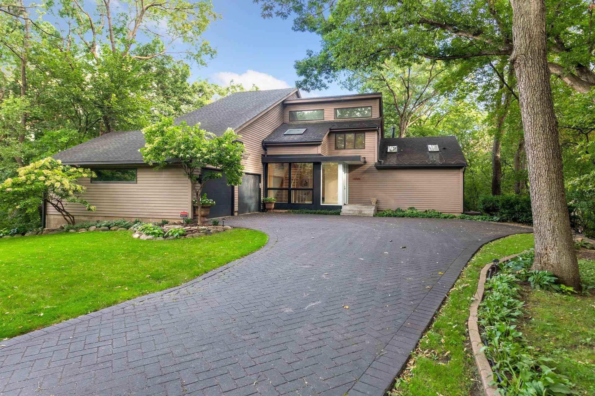 View 59 photos of this 4 bed, 4 bath, and 4,364 sqft. single_family home located at 13001 Brenwood Trl, Minnetonka, Minnesota 55343 is Active for $1,095,000.