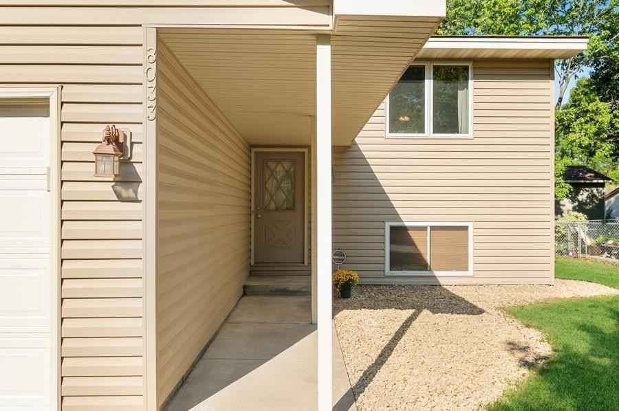 View 22 photos of this 3 bed, 2 bath, and 1,664 sqft. single_family home located at 8033 Irving Ave N, Brooklyn Park, Minnesota 55444 is Pending for $274,900.