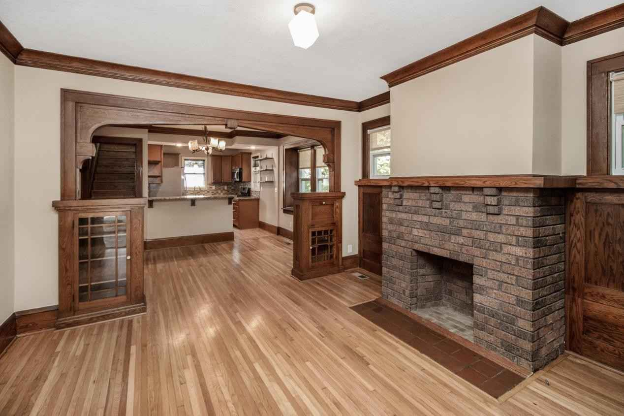 View 49 photos of this 4 bed, 2 bath, and 1,914 sqft. single_family home located at 1379 Juliet Ave, Saint Paul, Minnesota 55105 is Pending for $455,000.