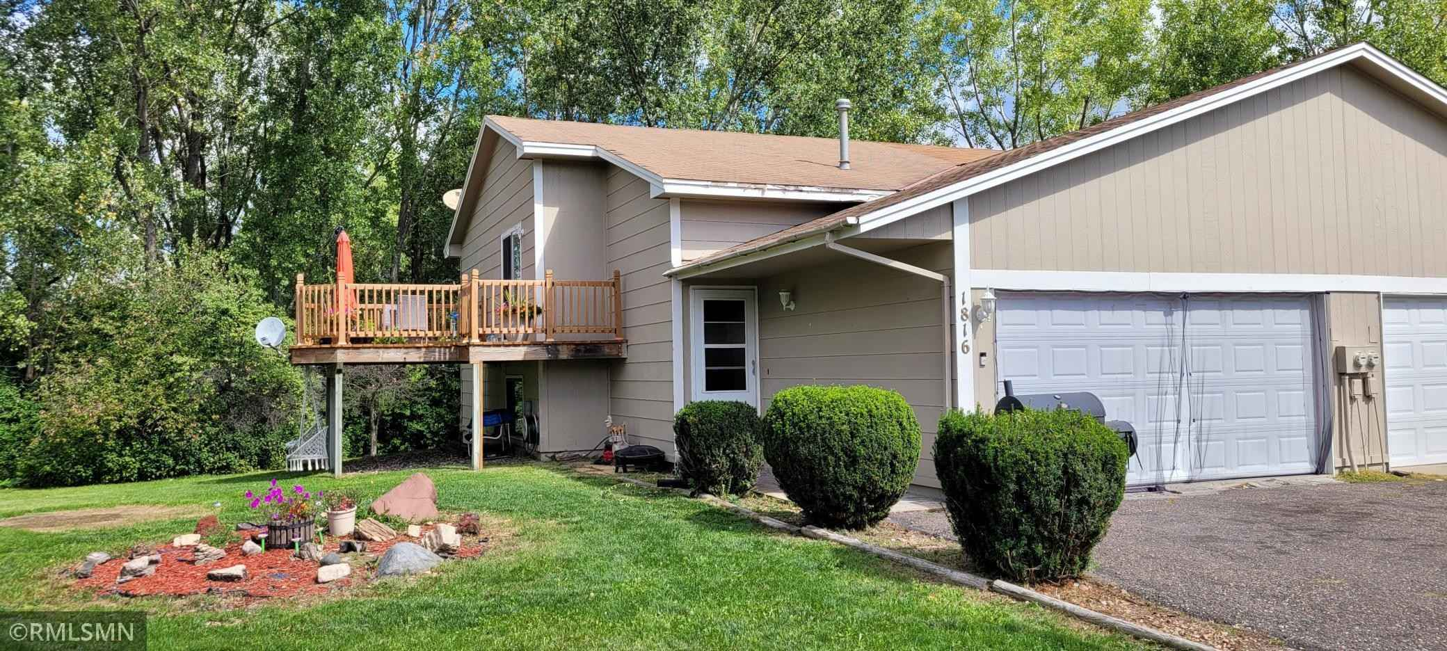 View 17 photos of this 3 bed, 2 bath, and 1,680 sqft. condo home located at 1816 Hale Ave N, Oakdale, Minnesota 55128 is Pending for $234,900.