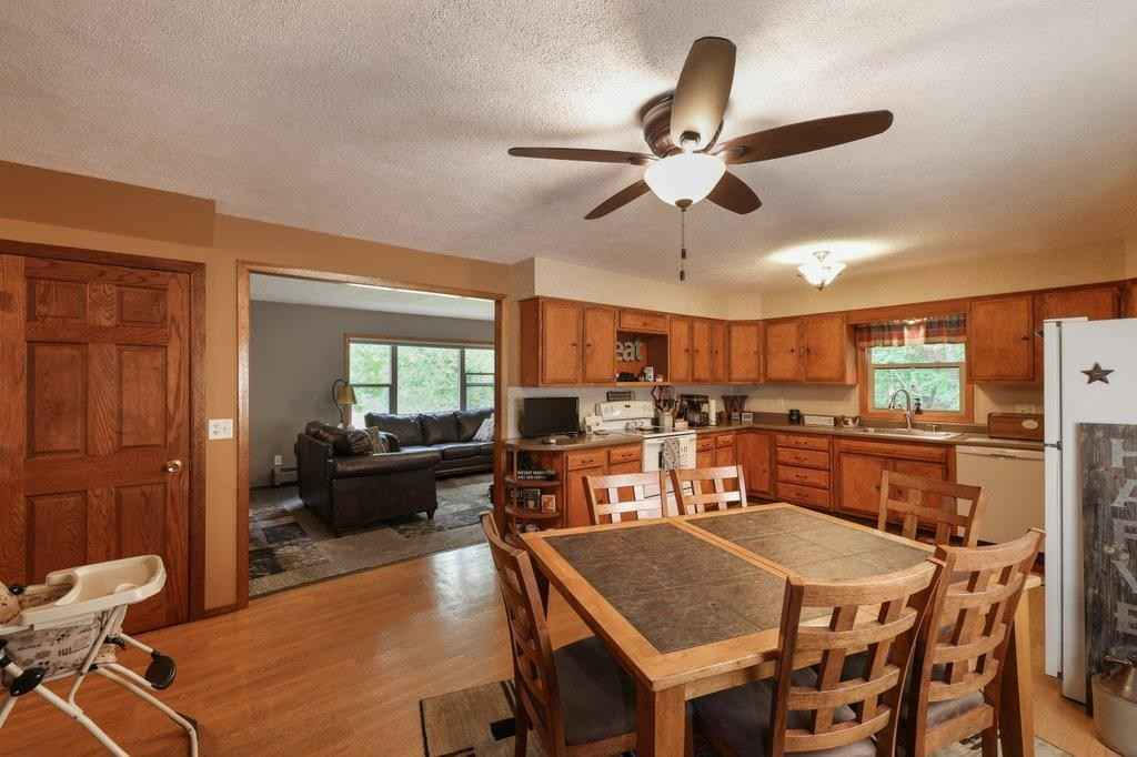 View 33 photos of this 4 bed, 3 bath, and 2,075 sqft. single_family home located at 23797 Lillehei Ave, Hampton, Minnesota 55031 is Active for $375,000.