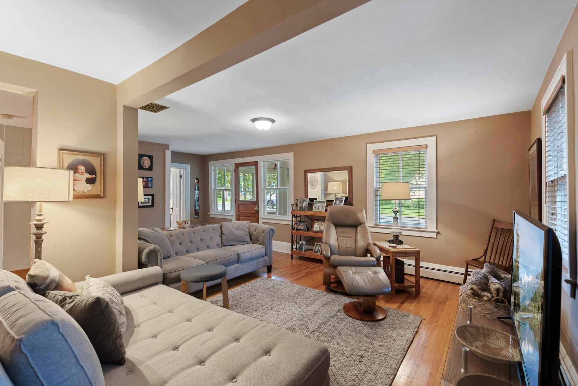 View 31 photos of this 4 bed, 2 bath, and 2,188 sqft. single_family home located at 230 6th St, Marine on Saint Croix, Minnesota 55047 is Active for $380,000.