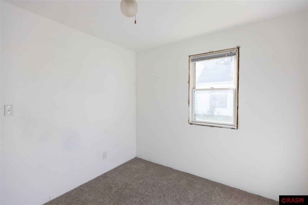 View 30 photos of this 2 bed, 2 bath, and 2,368 sqft. single_family home located at 313 North St W, Amboy, Minnesota 56010 is Active for $118,900.