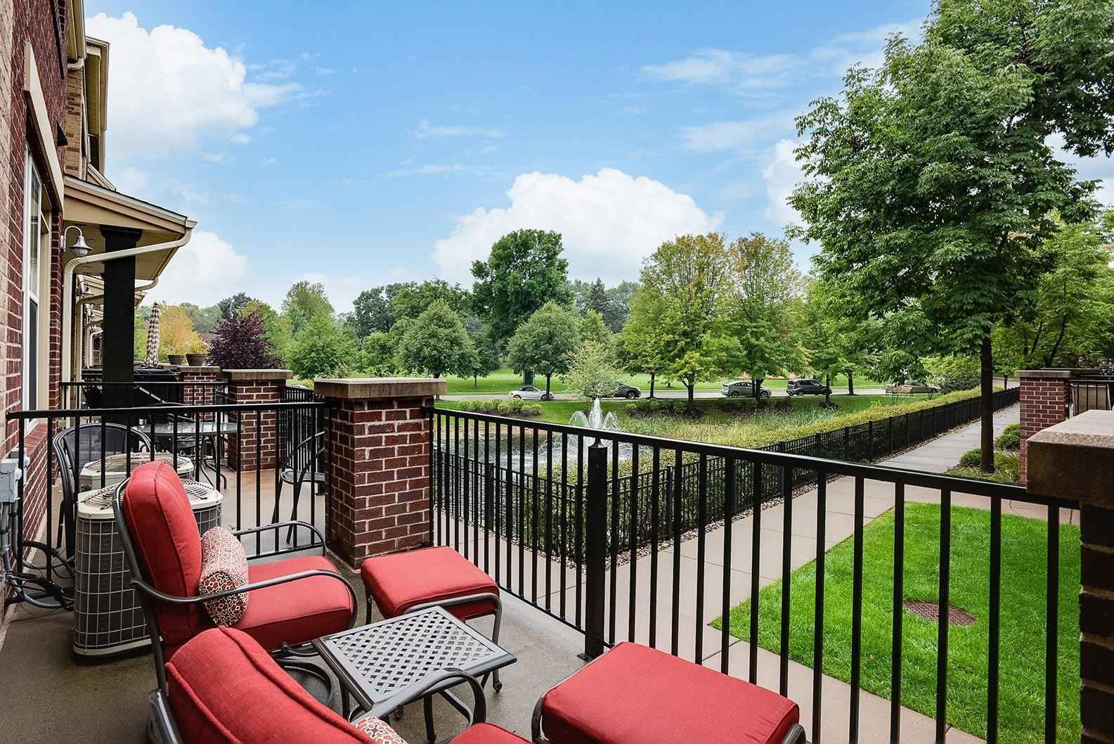 View 36 photos of this 2 bed, 2 bath, and 1,580 sqft. condo home located at 3712 Wooddale Ave S Unit 16, Saint Louis Park, Minnesota 55416 is Active for $375,000.