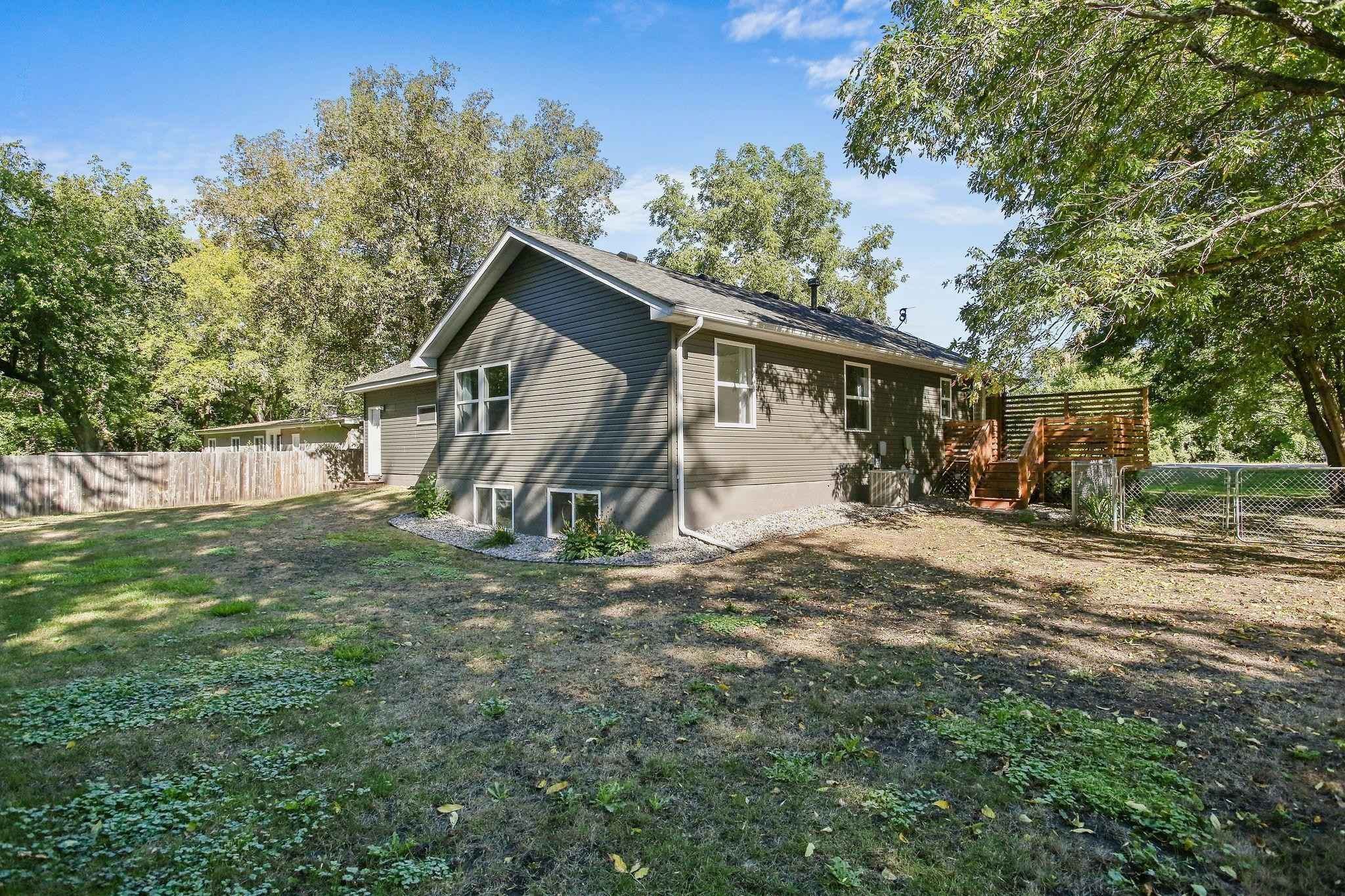 View 35 photos of this 3 bed, 2 bath, and 1,104 sqft. single_family home located at 406 Riverview Dr, Monticello, Minnesota 55362 is Pending for $260,000.