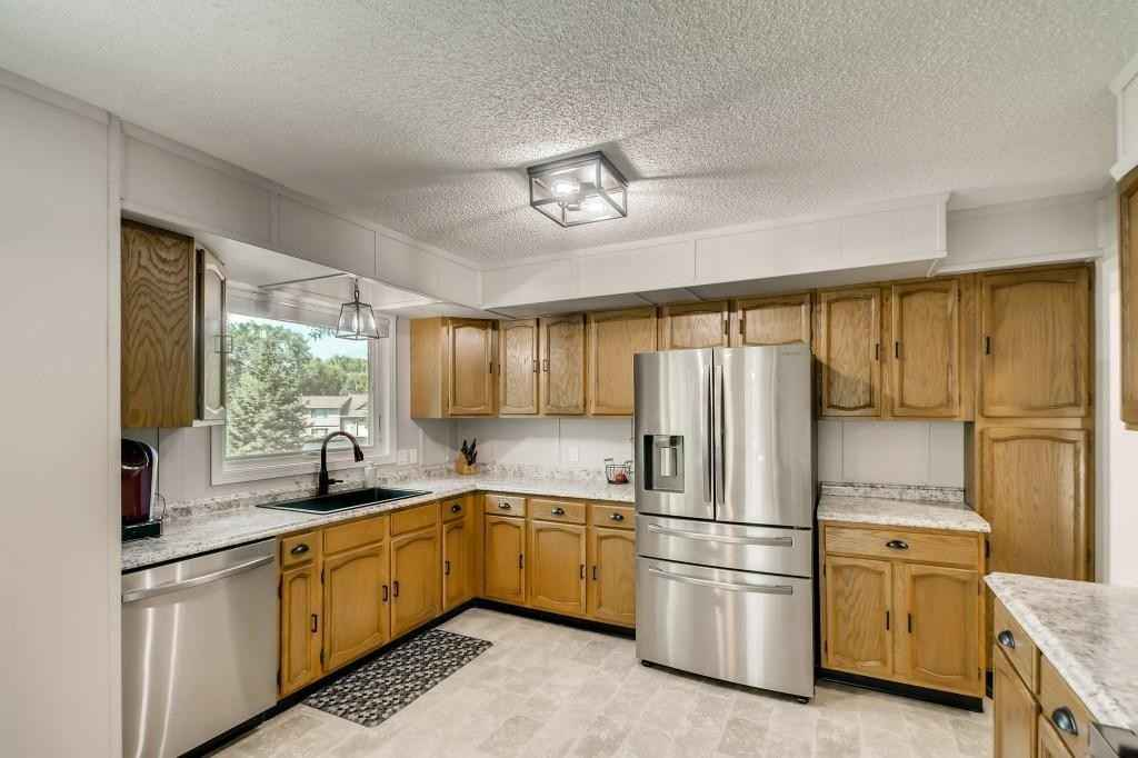 View 28 photos of this 4 bed, 2 bath, and 2,154 sqft. single_family home located at 20000 Hillside Dr, Rogers, Minnesota 55374 is _0 for $.