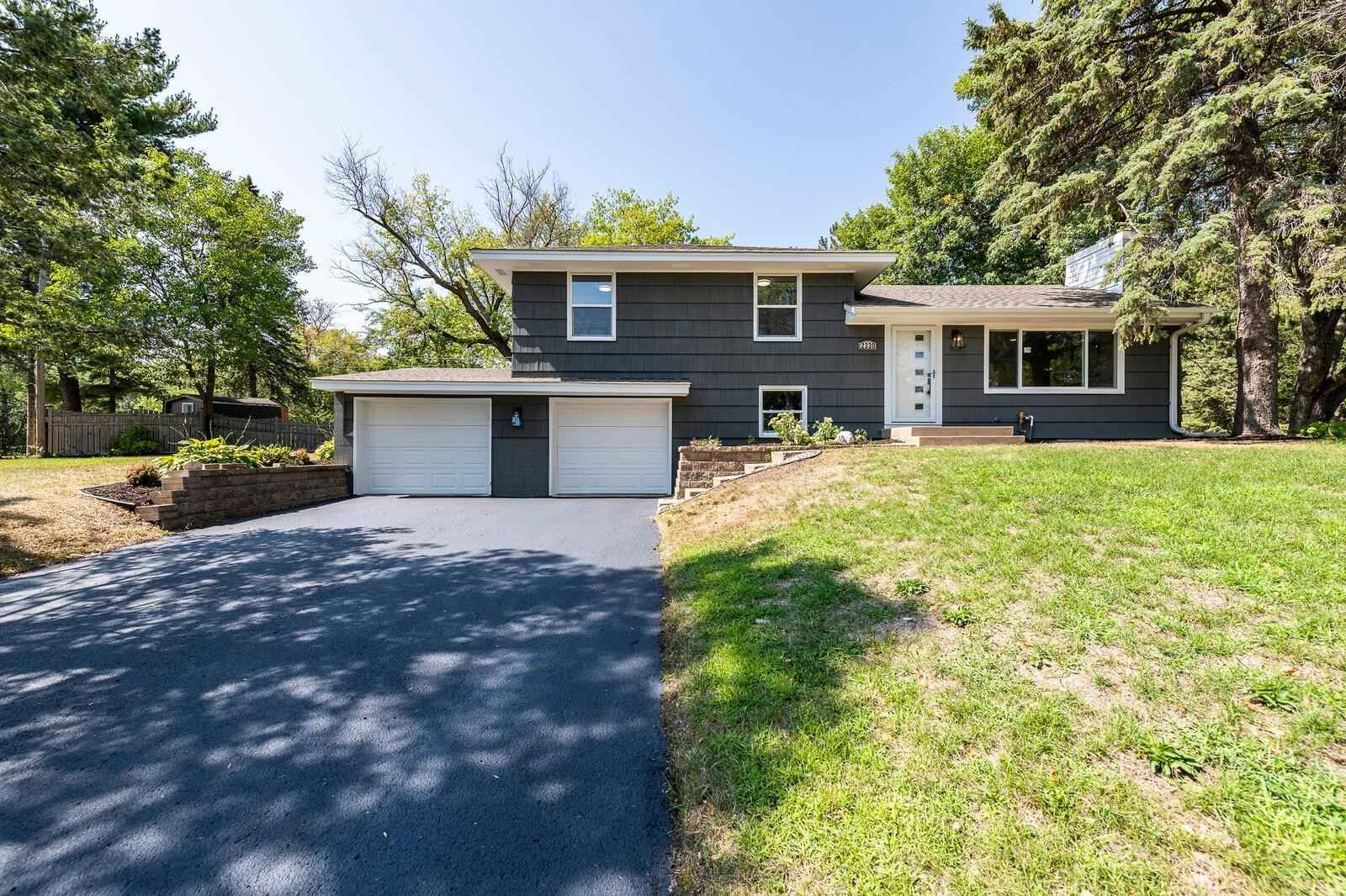 View 40 photos of this 4 bed, 3 bath, and 2,900 sqft. single_family home located at 2330 Cedarwood Rdg, Minnetonka, Minnesota 55305 is Pending for $539,900.