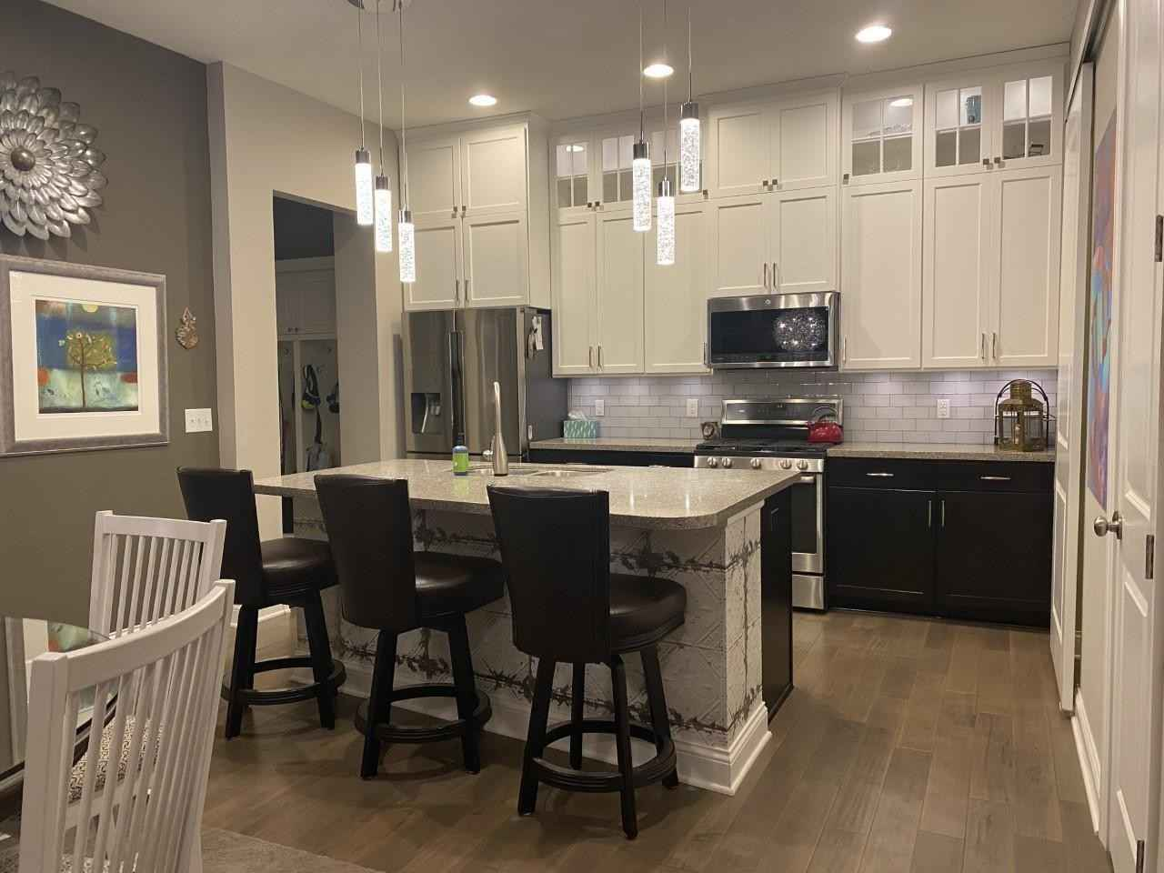 View 8 photos of this 3 bed, 3 bath, and 2,830 sqft. condo home located at 2354 Lemay Shores Dr, Mendota Heights, Minnesota 55120 is Active for $600,000.