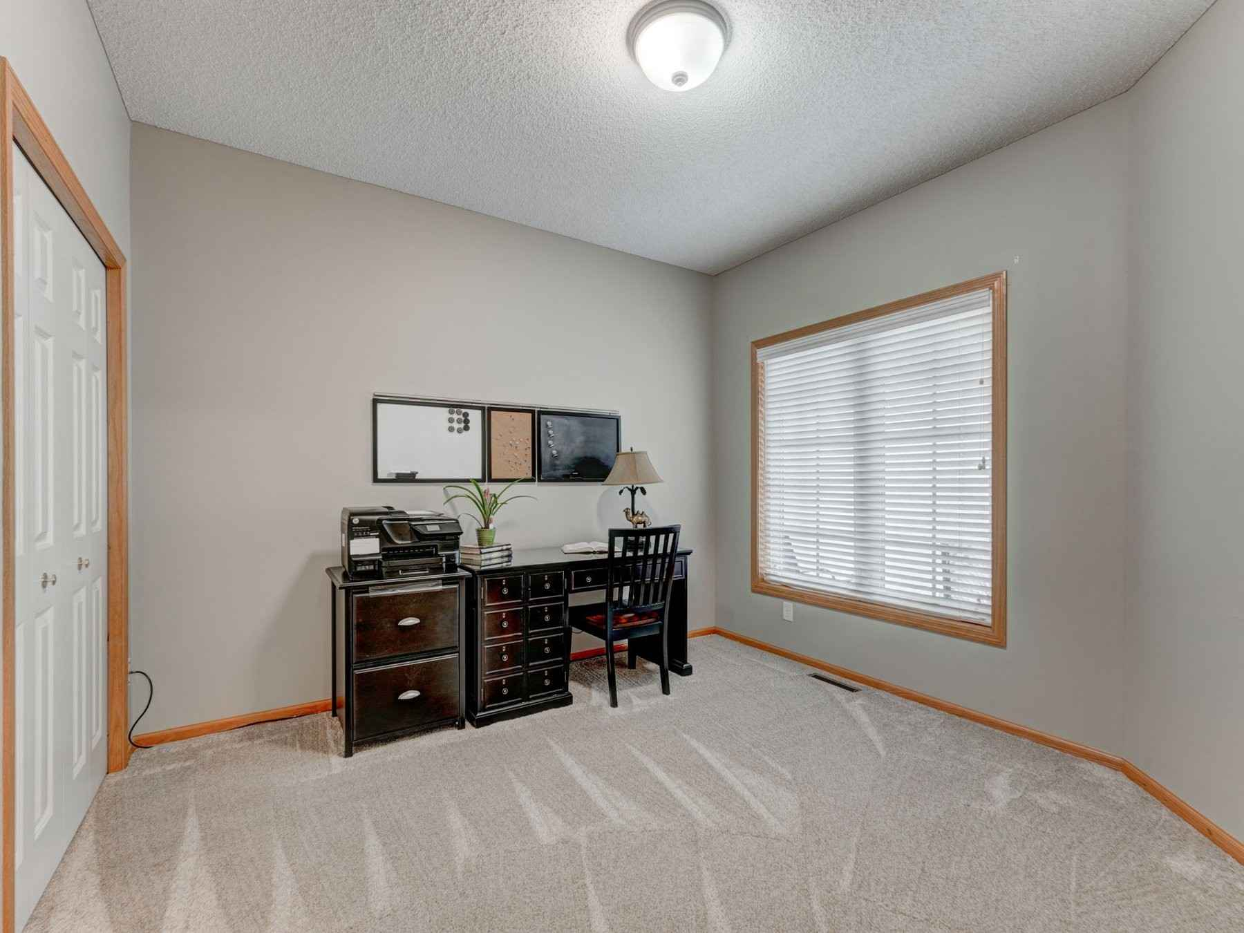 View 21 photos of this 3 bed, 3 bath, and 2,710 sqft. condo home located at 17622 Glasgow Way, Lakeville, Minnesota 55044 is Active for $350,000.