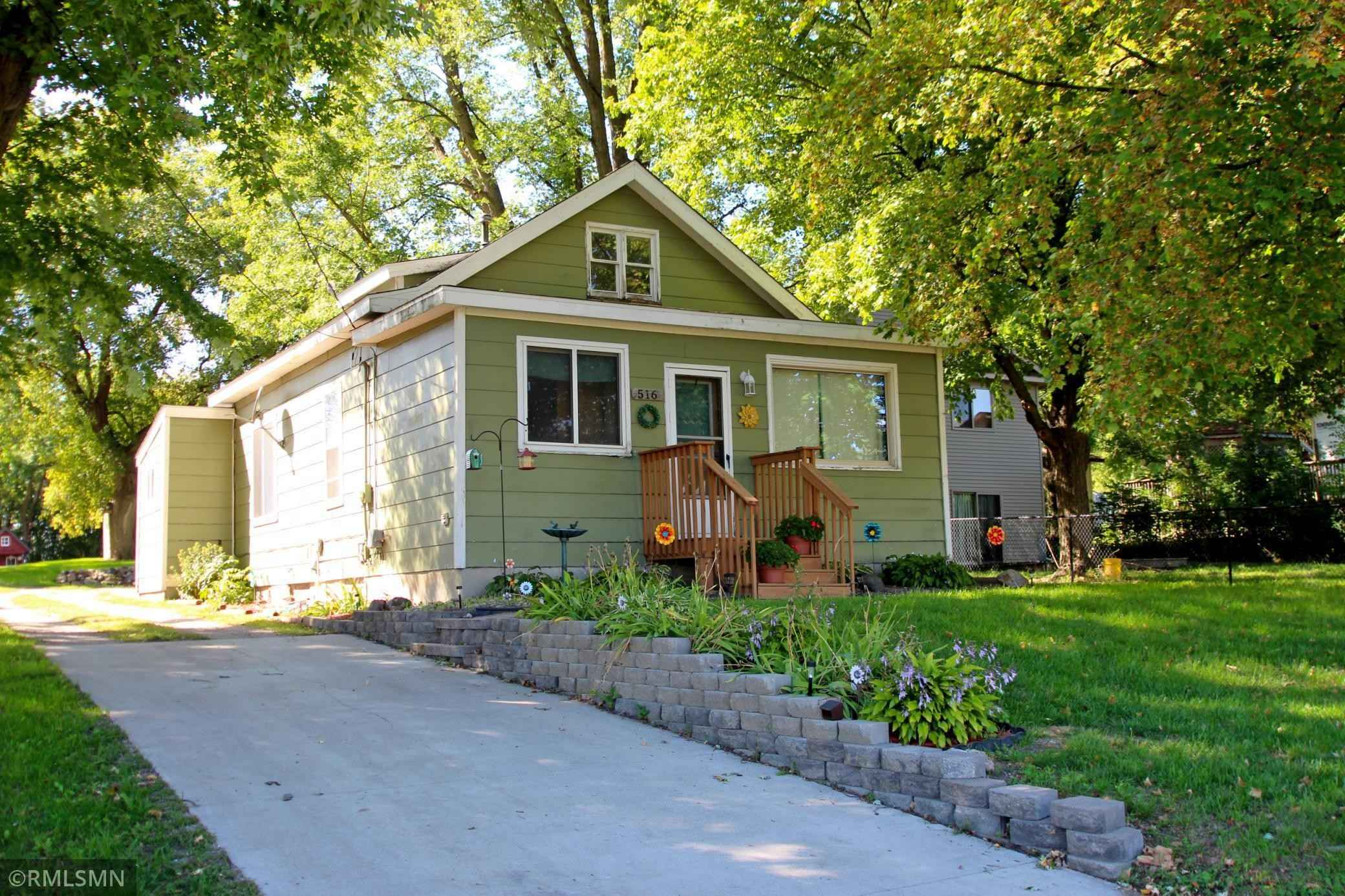 View 24 photos of this 1 bed, 1 bath, and 938 sqft. single_family home located at 516 Oak Ave S, Maple Lake, Minnesota 55358 is Active for $124,900.