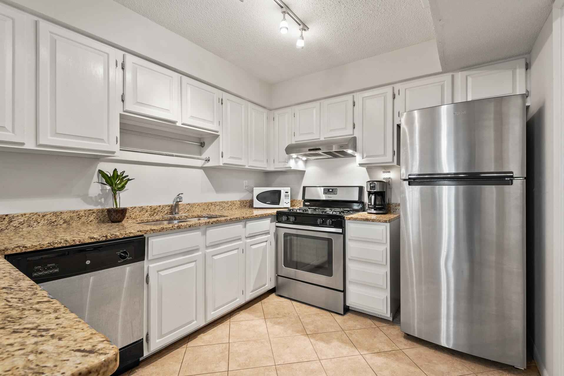 View 34 photos of this 3 bed, 2 bath, and 1,500 sqft. condo home located at 5538 E Bavarian Pass, Fridley, Minnesota 55432 is Active for $210,000.