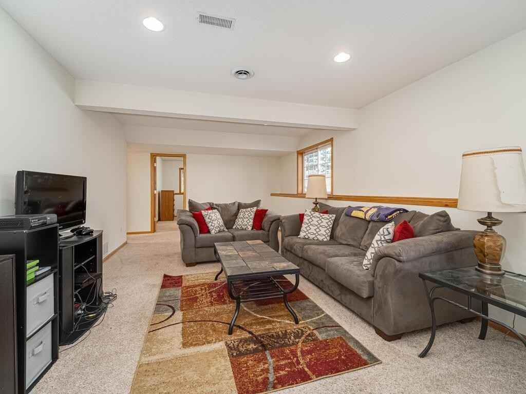 View 24 photos of this 4 bed, 3 bath, and 2,100 sqft. condo home located at 19160 Concord St NW, Elk River, Minnesota 55330 is Active for $239,000.