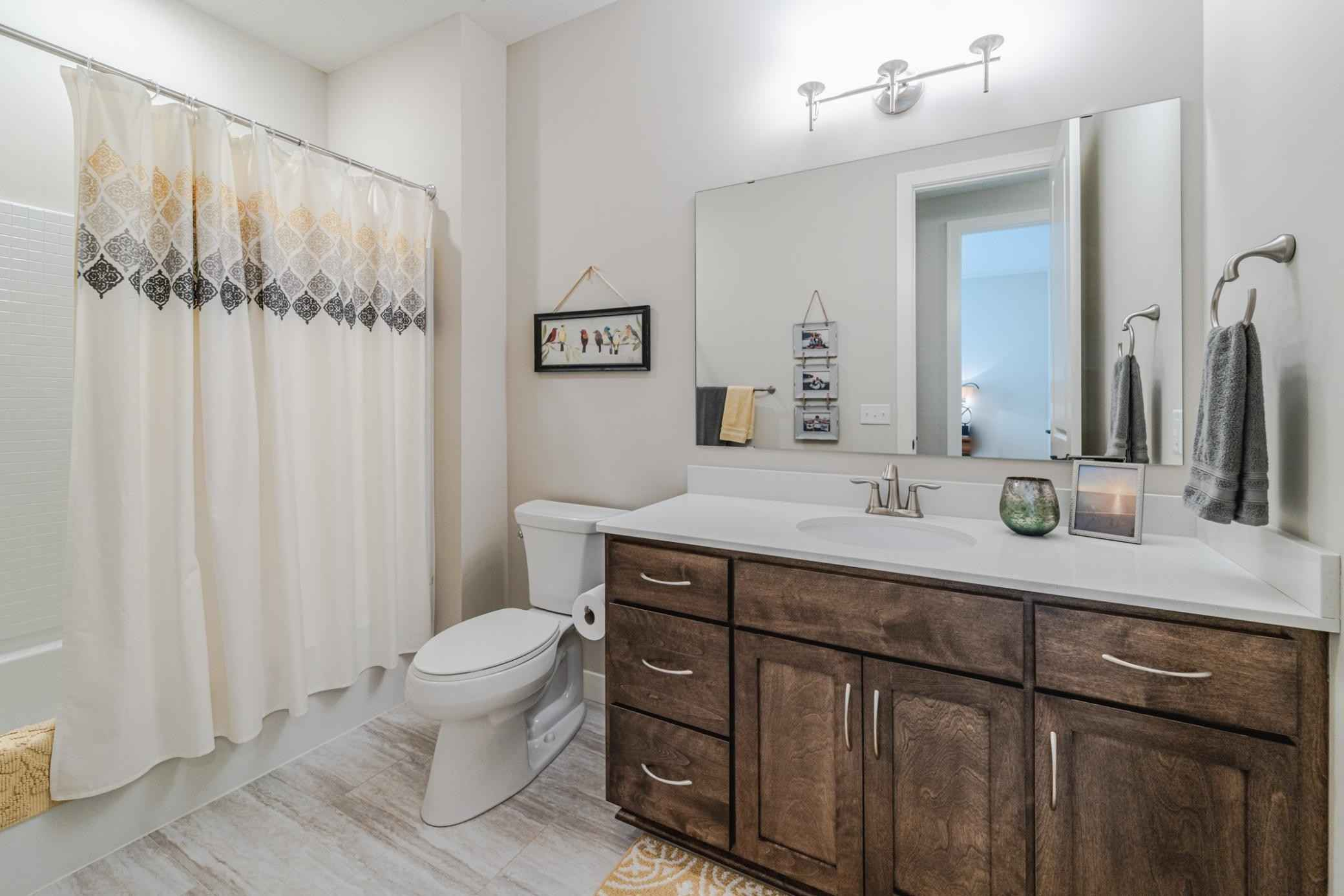 View 79 photos of this 3 bed, 3 bath, and 3,048 sqft. condo home located at 16242 Dutch Barn Dr, Lakeville, Minnesota 55044 is Pending for $640,000.