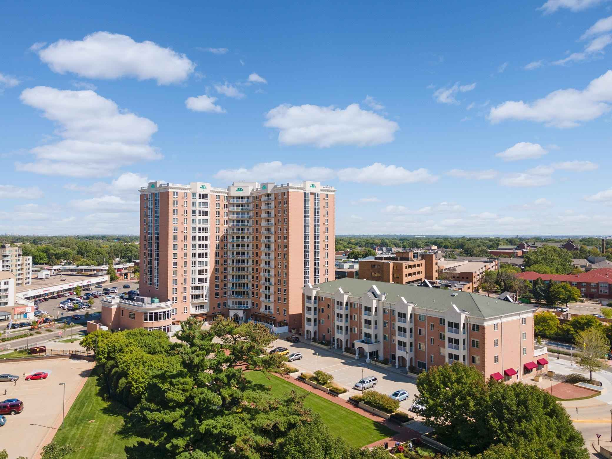 View 48 photos of this 3 bed, 2 bath, and 1,560 sqft. condo home located at 6600 Lyndale Ave S Apt 1200, Richfield, Minnesota 55423 is Active for $500,000.