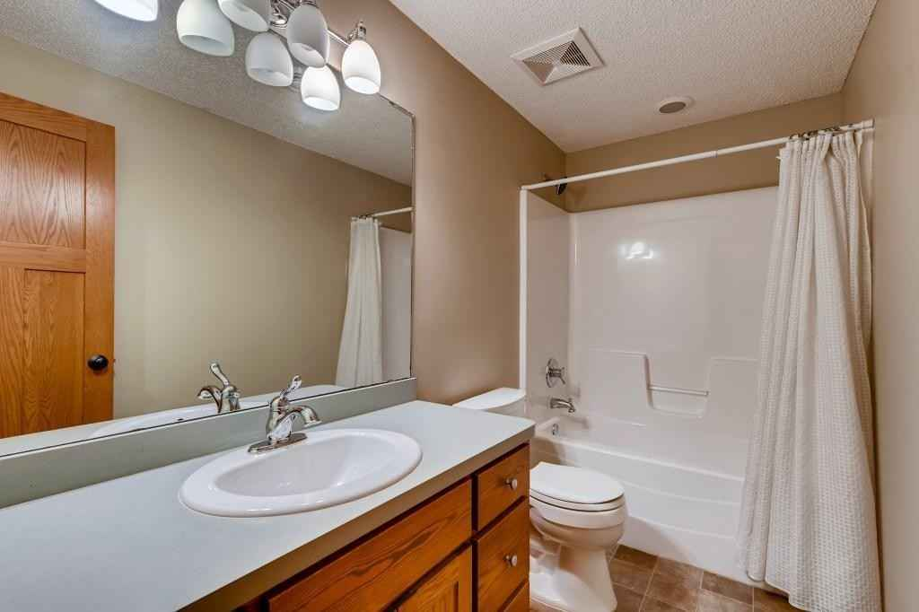 View 32 photos of this 5 bed, 4 bath, and 3,137 sqft. single_family home located at 510 Reservoir Woods Cir, Roseville, Minnesota 55113 is Active for $695,000.