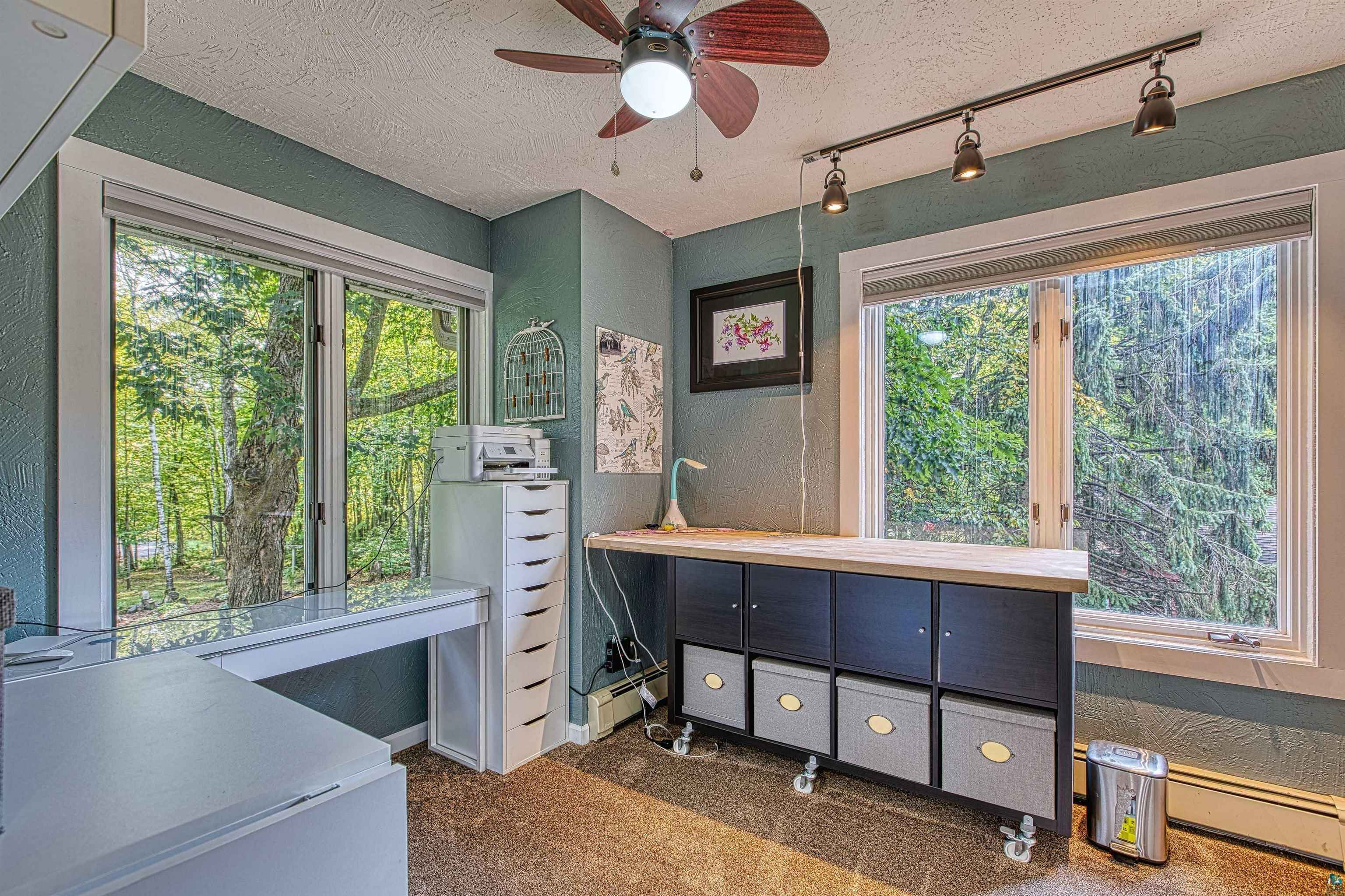 View 37 photos of this 4 bed, 4 bath, and 3,632 sqft. single_family home located at 4810 S Shore Dr, Duluth, Minnesota 55811 is PENDING for $448,300.
