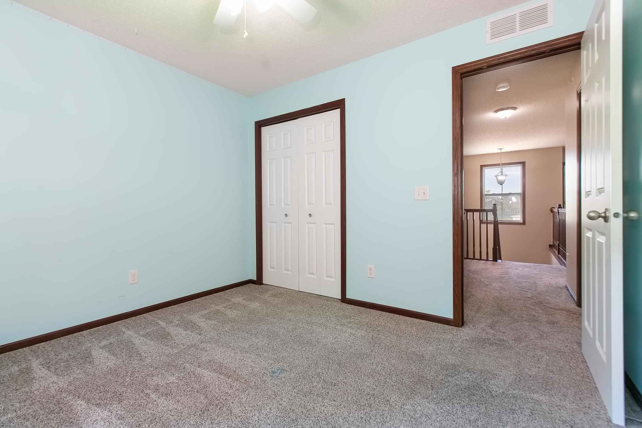 View 28 photos of this 3 bed, 4 bath, and 2,081 sqft. condo home located at 9435 Washington Cir, Chanhassen, Minnesota 55317 is Pending for $330,000.
