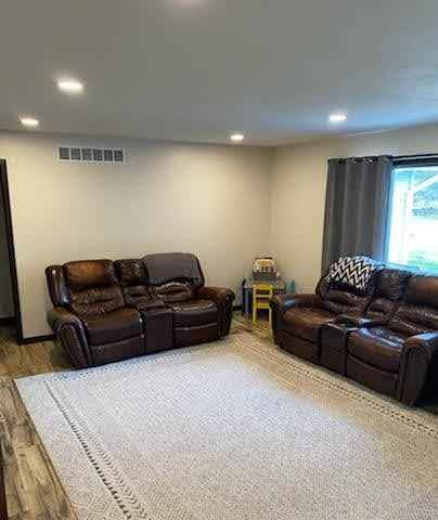 View 20 photos of this 5 bed, 3 bath, and 3,160 sqft. single_family home located at 2080 Brian Ave, Windom, Minnesota 56101 is Active for $309,000.