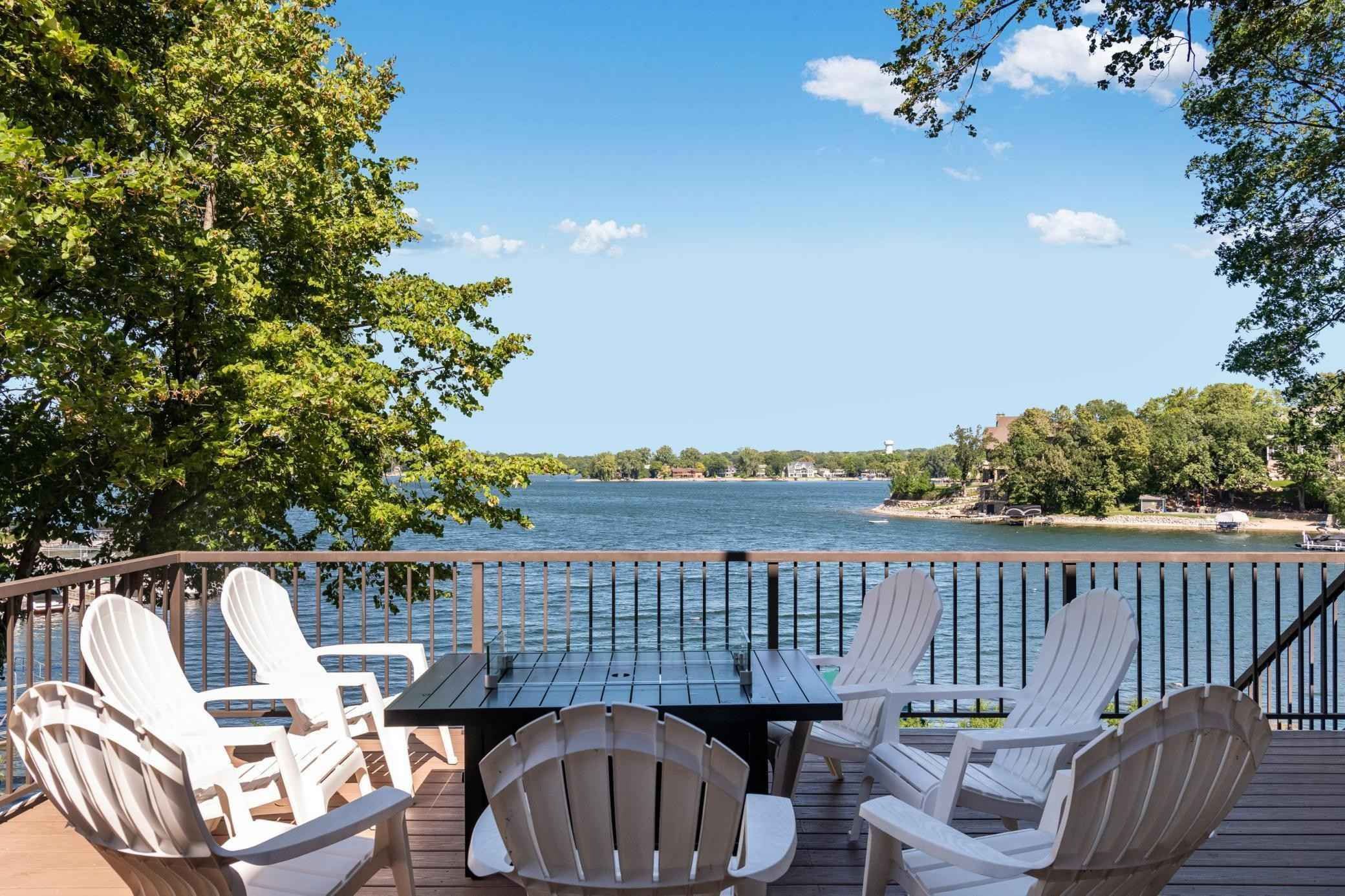 View 62 photos of this 4 bed, 3 bath, and 3,006 sqft. single_family home located at 5204 Hope St SE, Prior Lake, Minnesota 55372 is Active for $1,295,000.