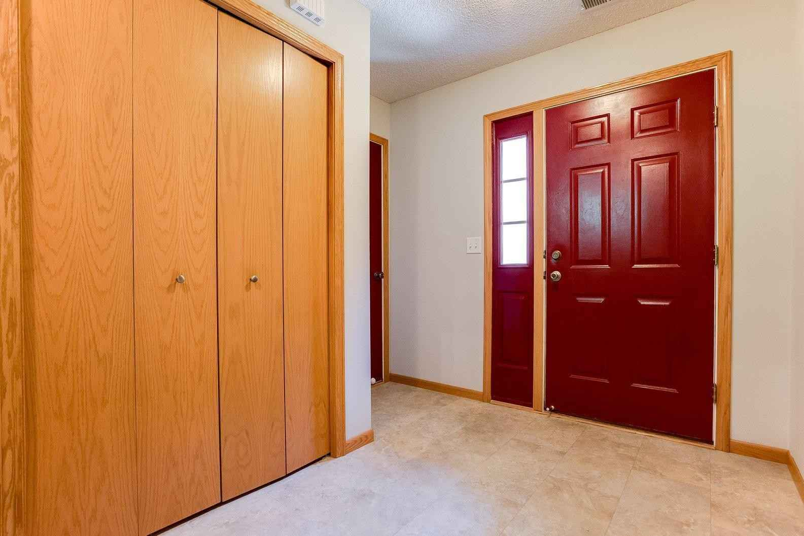View 55 photos of this 3 bed, 3 bath, and 1,788 sqft. condo home located at 402 7th St E, Carver, Minnesota 55315 is Sold for $260,000.