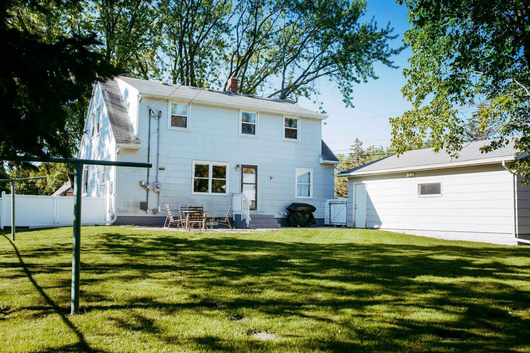 View 34 photos of this 3 bed, 3 bath, and 2,144 sqft. single_family home located at 3 N Court St, Morris, Minnesota 56267 is Active for $189,900.
