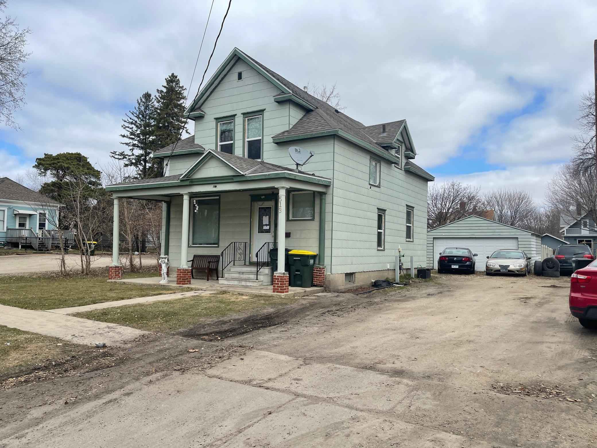 View 2 photos of this 4 bed, 2 bath, and 1,510 sqft. single_family home located at 513 11th St SW, Willmar, Minnesota 56201 is Active for $115,200.